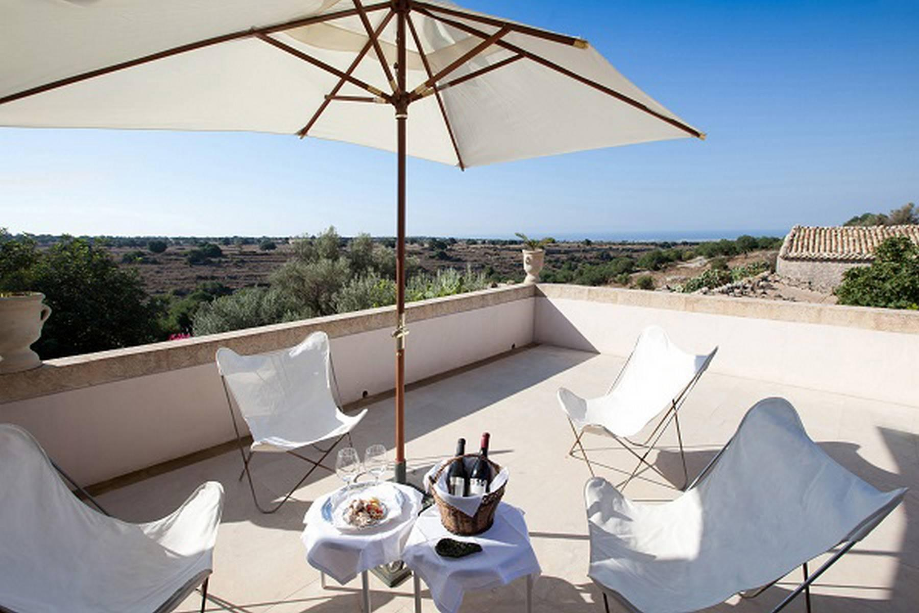Charming historical estate in the countryside of Ragusa - 12