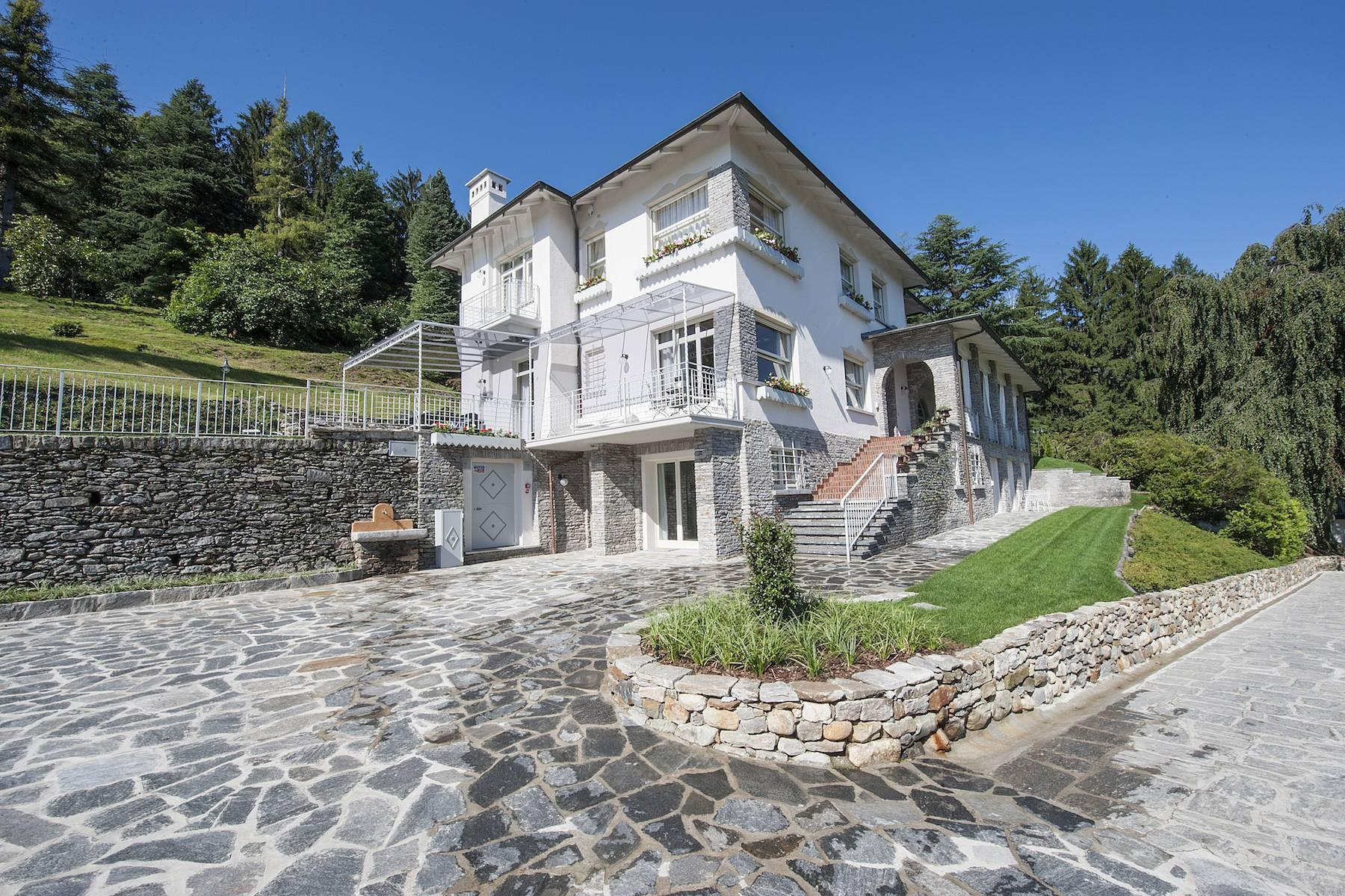 Enchanting Villa with breathtaking view on Lake Maggiore - 13
