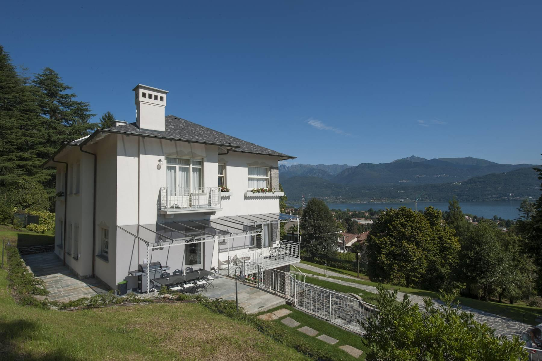 Enchanting Villa with breathtaking view on Lake Maggiore - 26