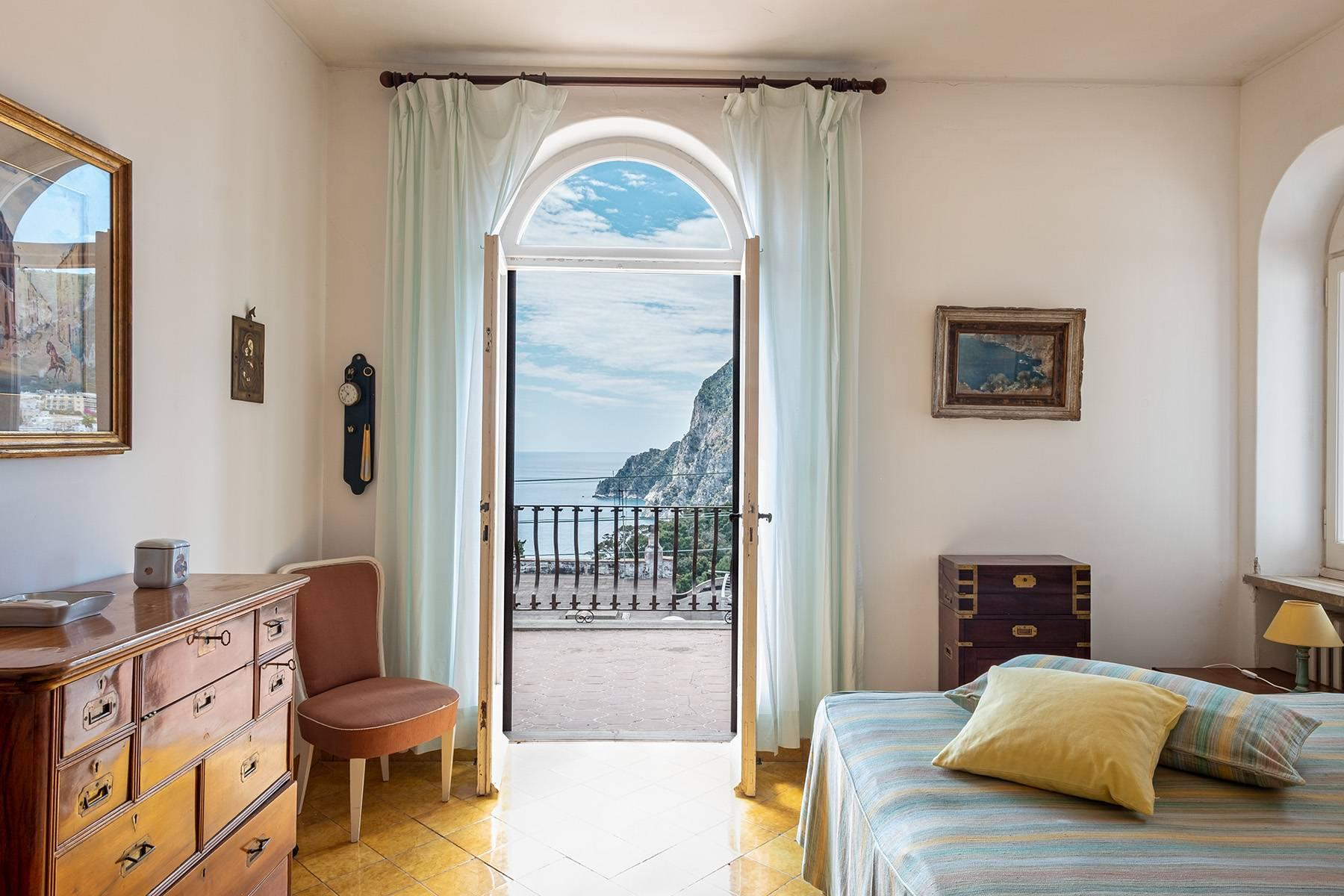 Magnificent villa in the center of Capri overlooking the sea - 15