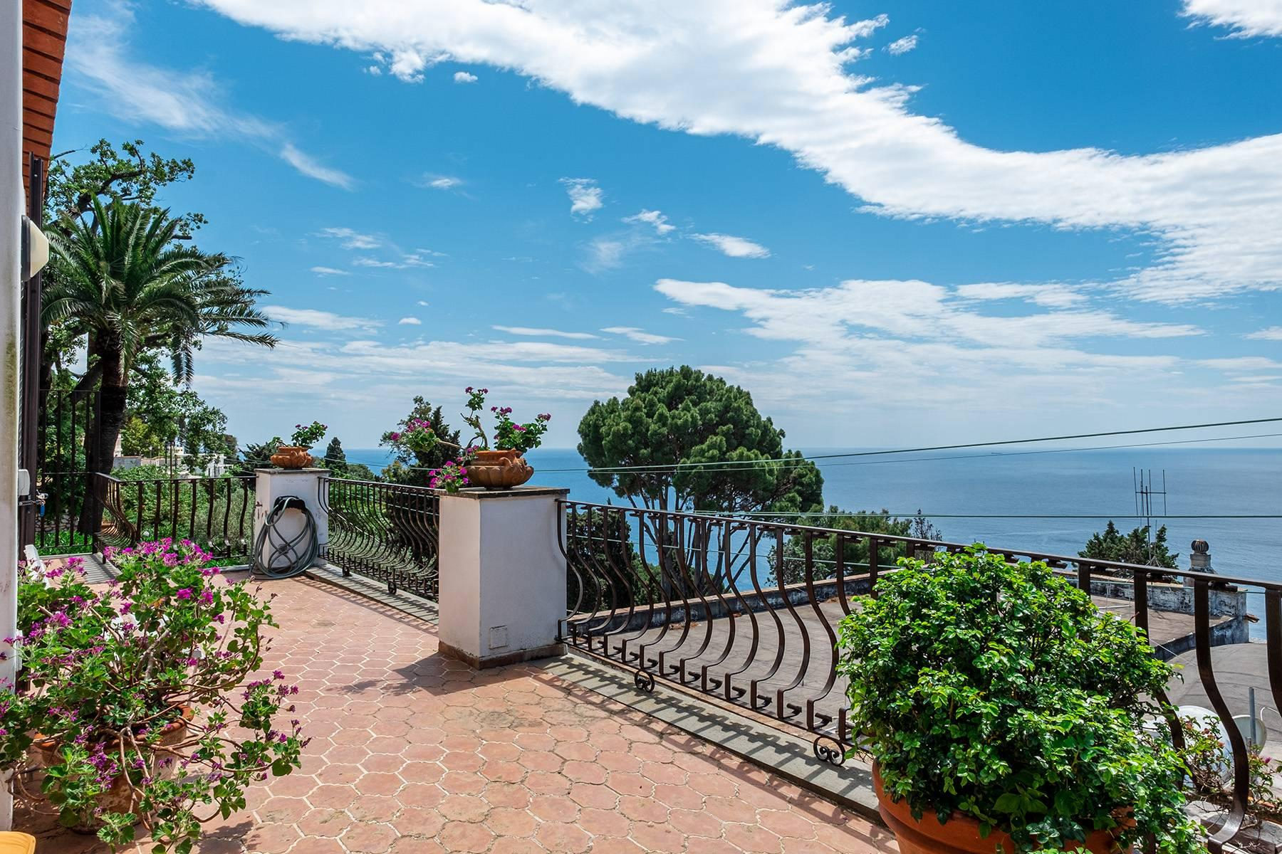 Magnificent villa in the center of Capri overlooking the sea - 18