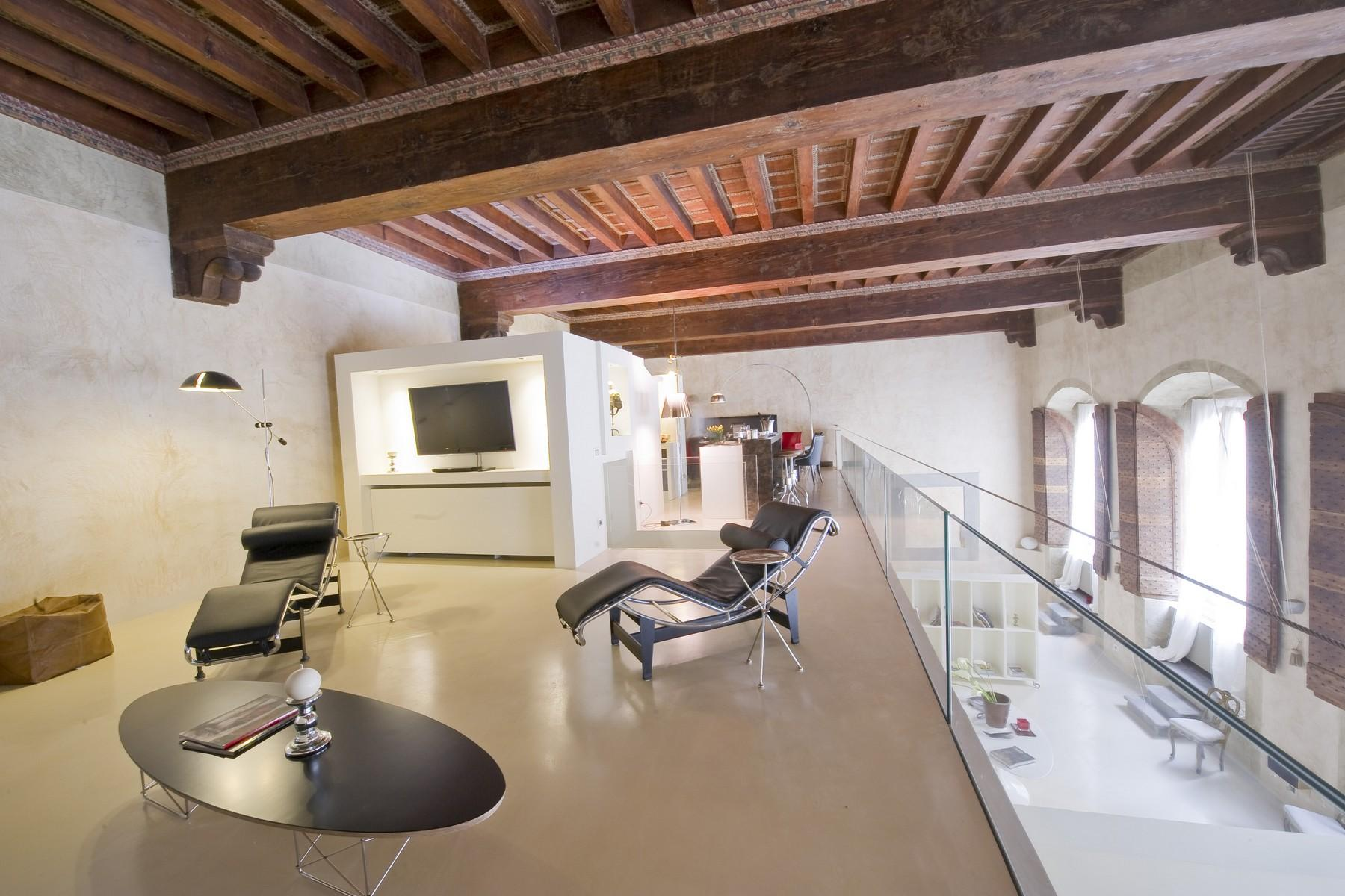 Frescoed apartment in the heart of Florence - 8