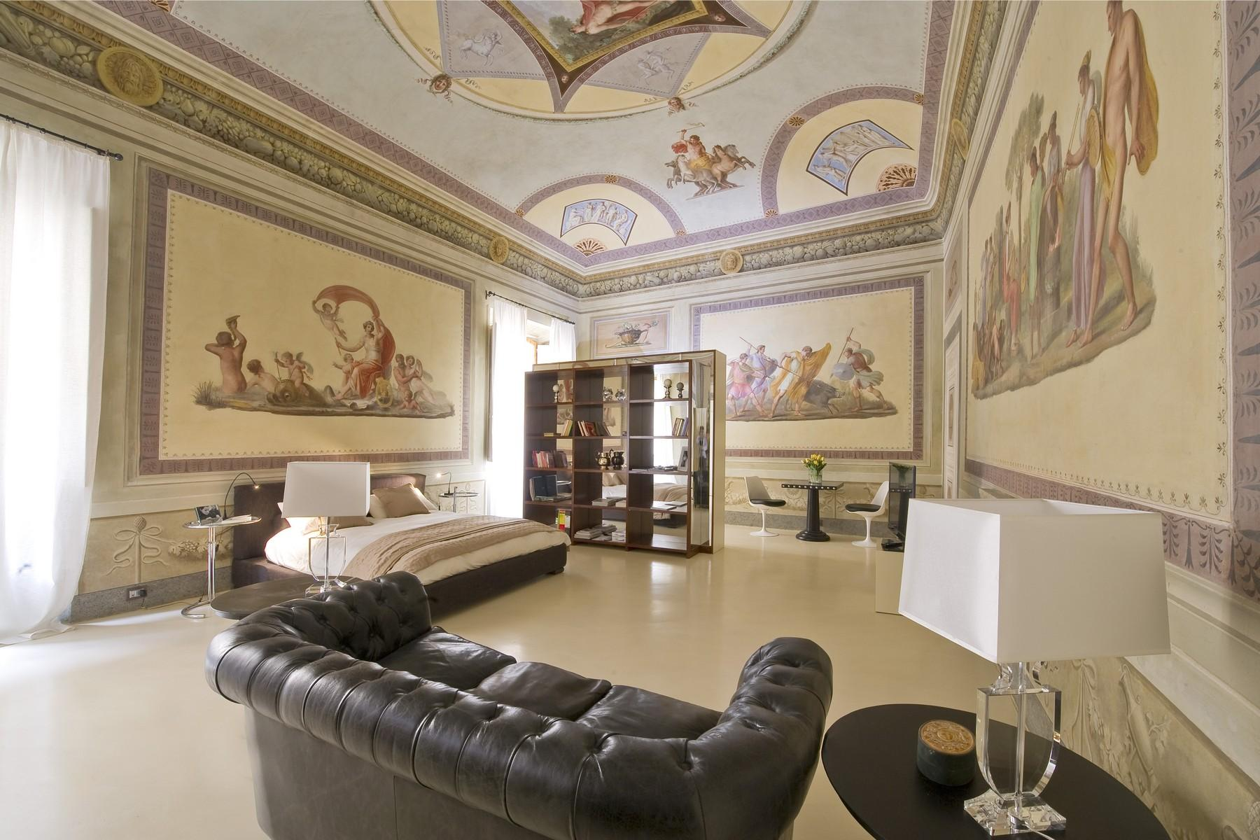 Frescoed apartment in the heart of Florence - 2
