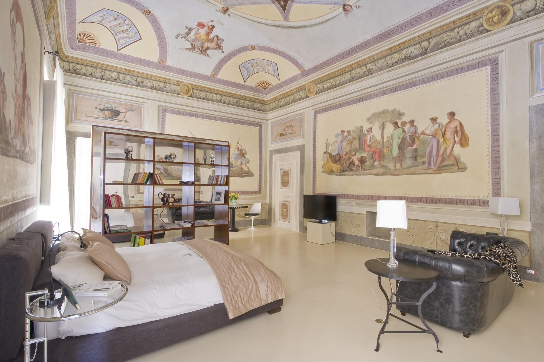 Frescoed apartment in the heart of Florence - 3