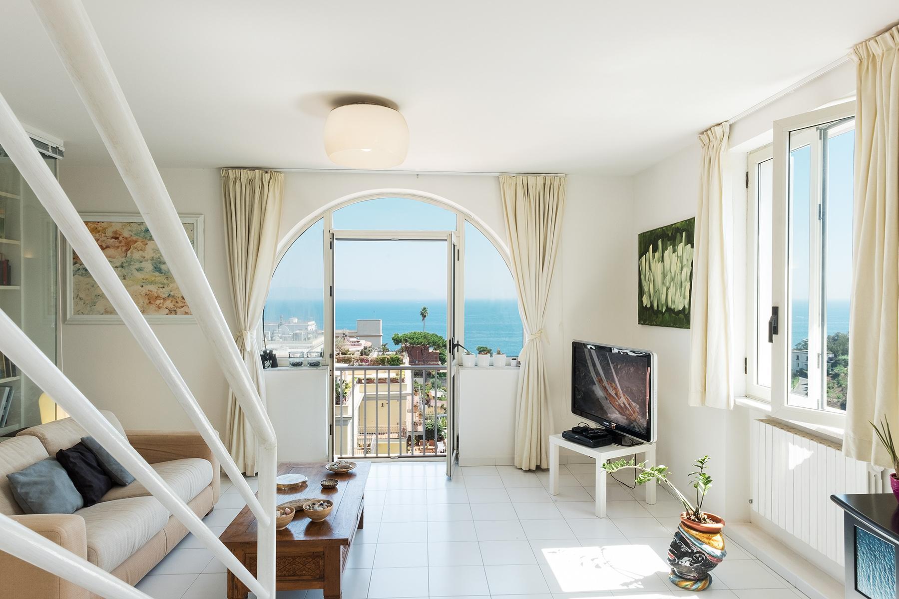 Wunderschönes Anwesen zwischen Himmel und Meer mit Blick auf Neapel - 6