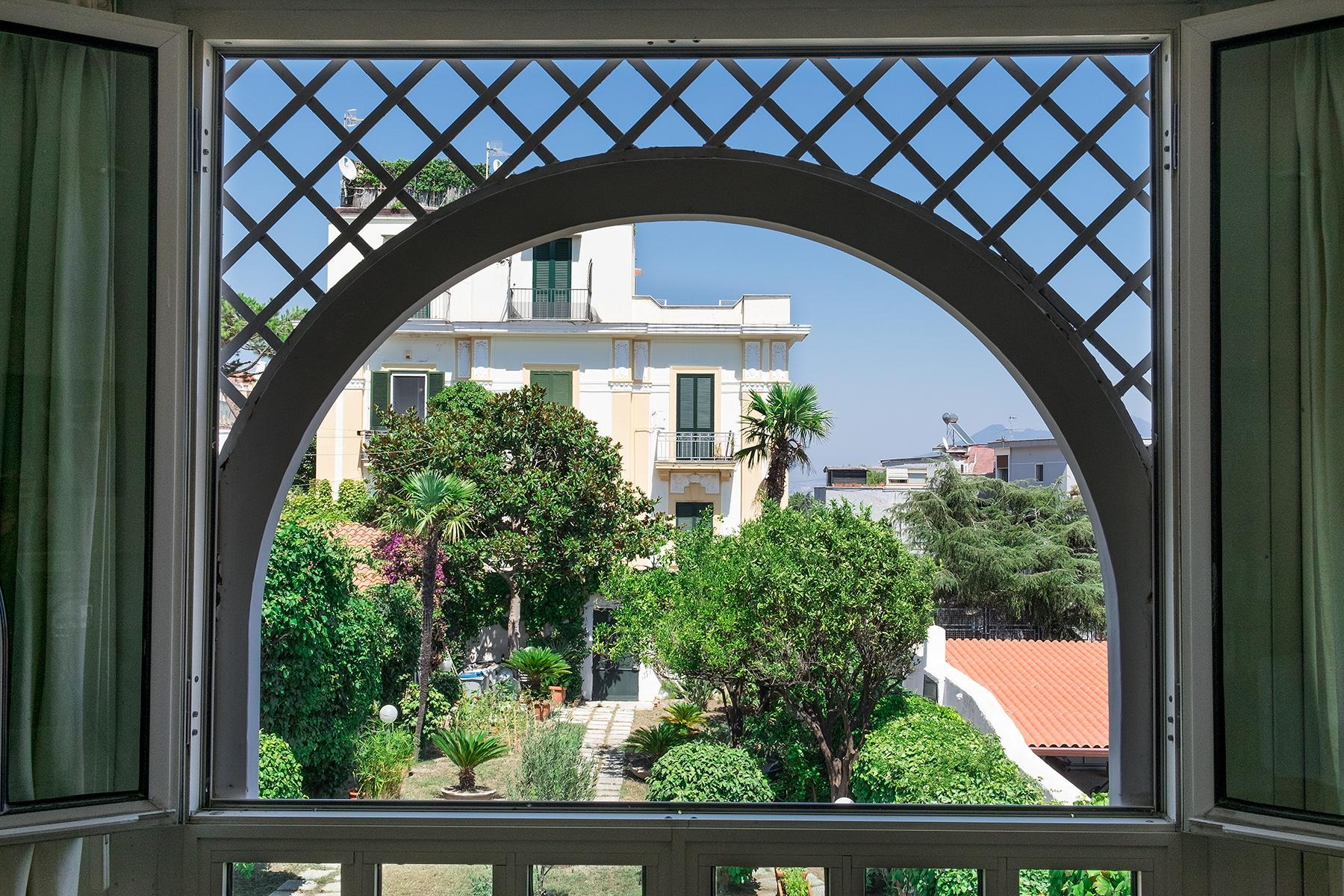 Wunderschönes Anwesen zwischen Himmel und Meer mit Blick auf Neapel - 5