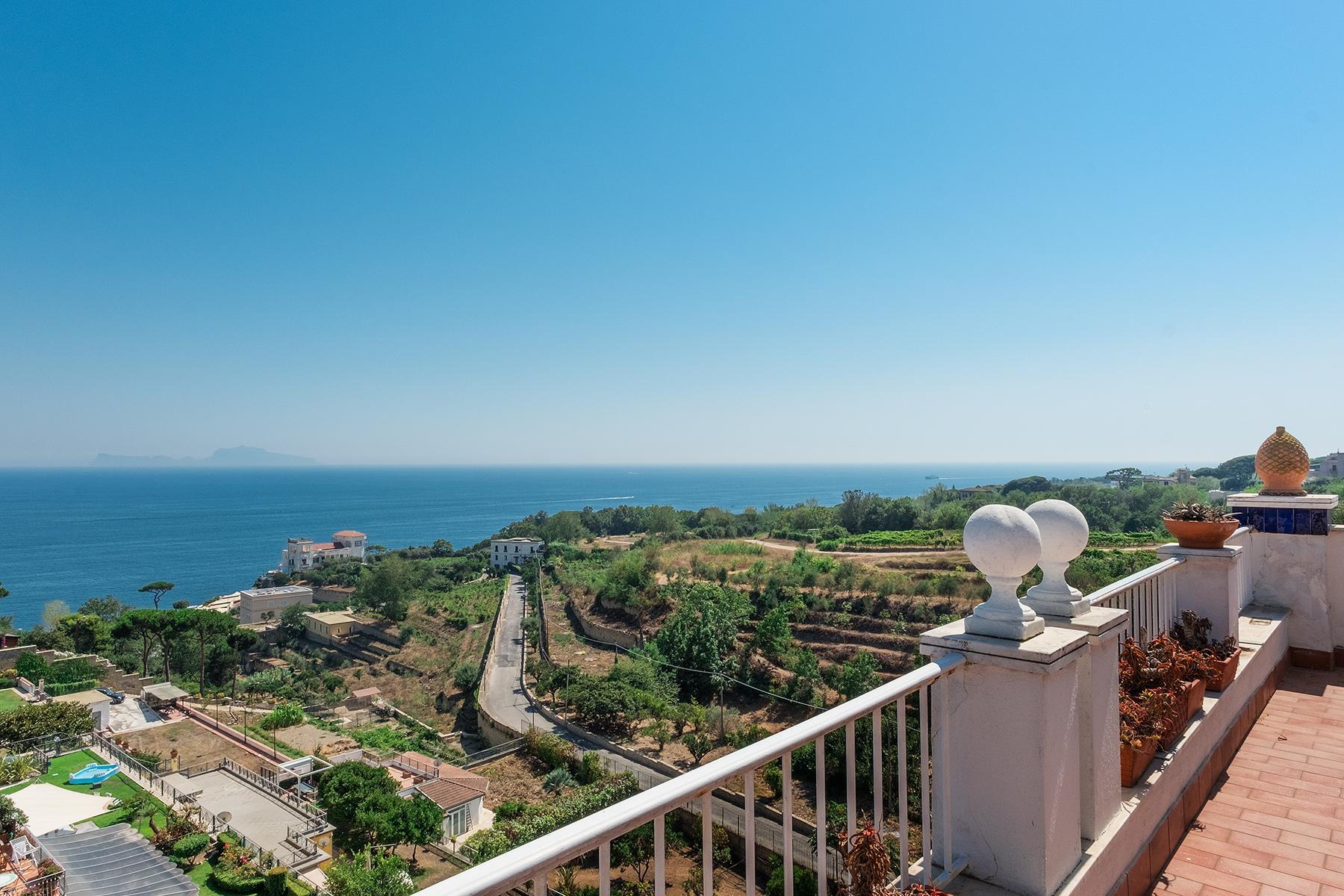 Wunderschönes Anwesen zwischen Himmel und Meer mit Blick auf Neapel - 2