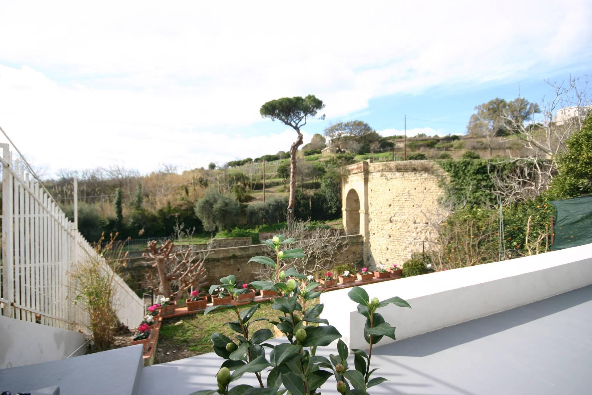 Magnificent property between sky and sea overlooking Naples - 18