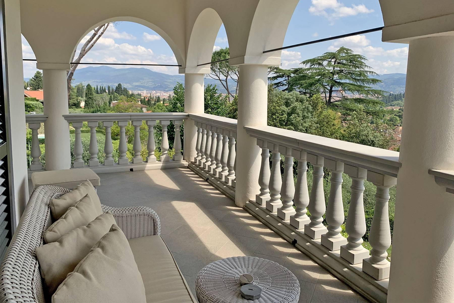 Splendid villa with pool on the Pian dei Giullari hill in Florence - 18