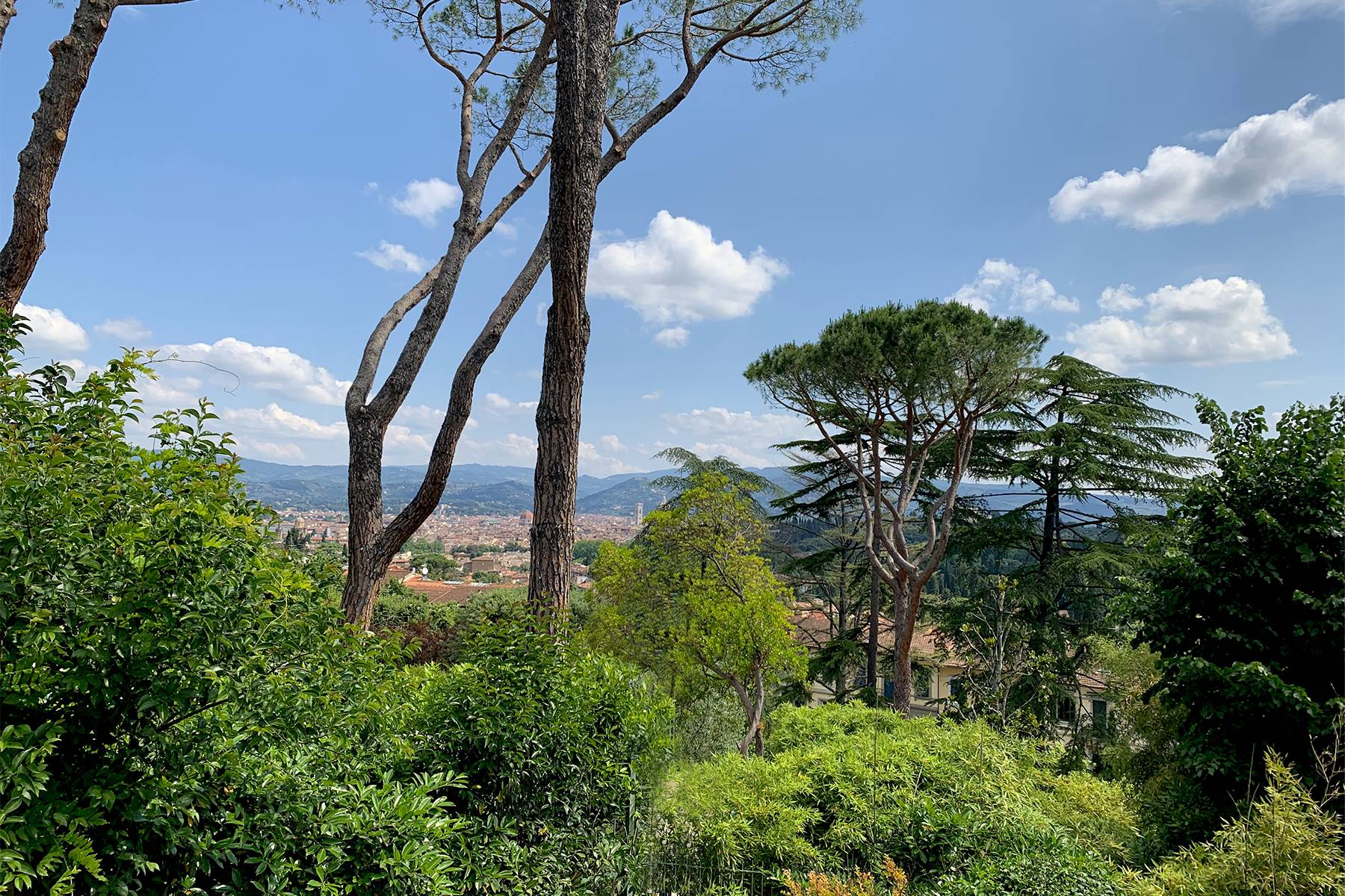 Splendid villa with pool on the Pian dei Giullari hill in Florence - 12