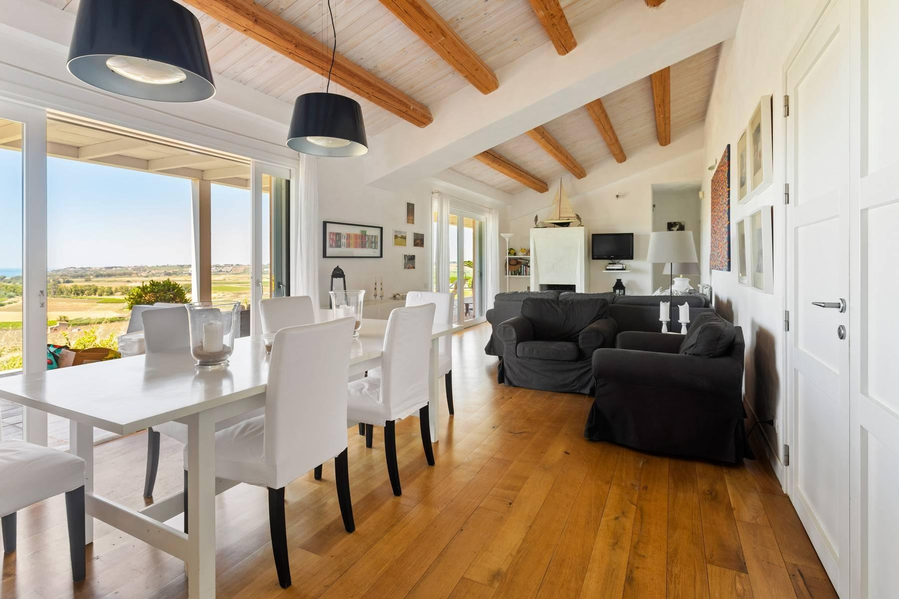 Stunning villa immersed in the countryside and overlooking the sea - 4