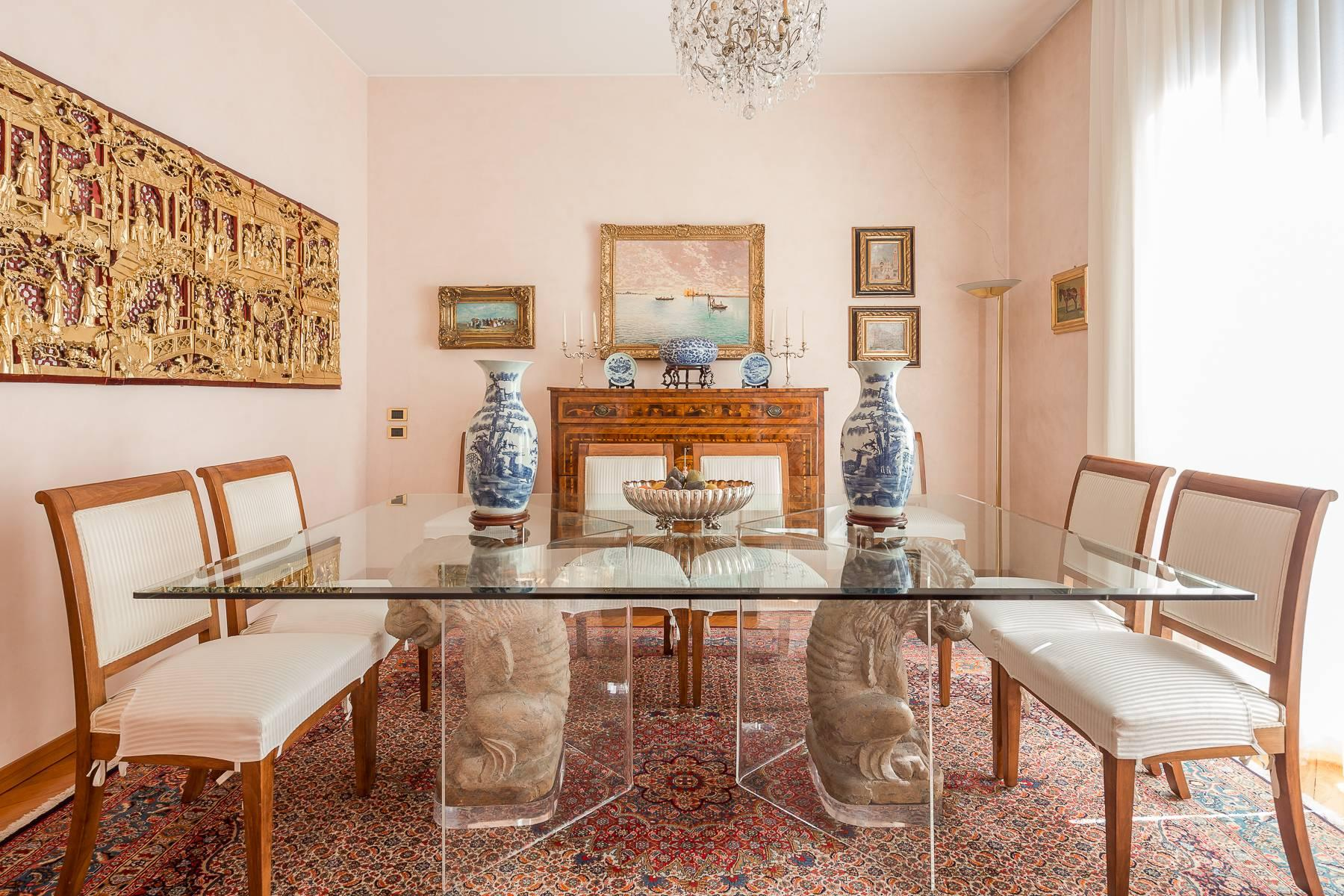 Elegante appartamento arredato in zona Palestro - 10