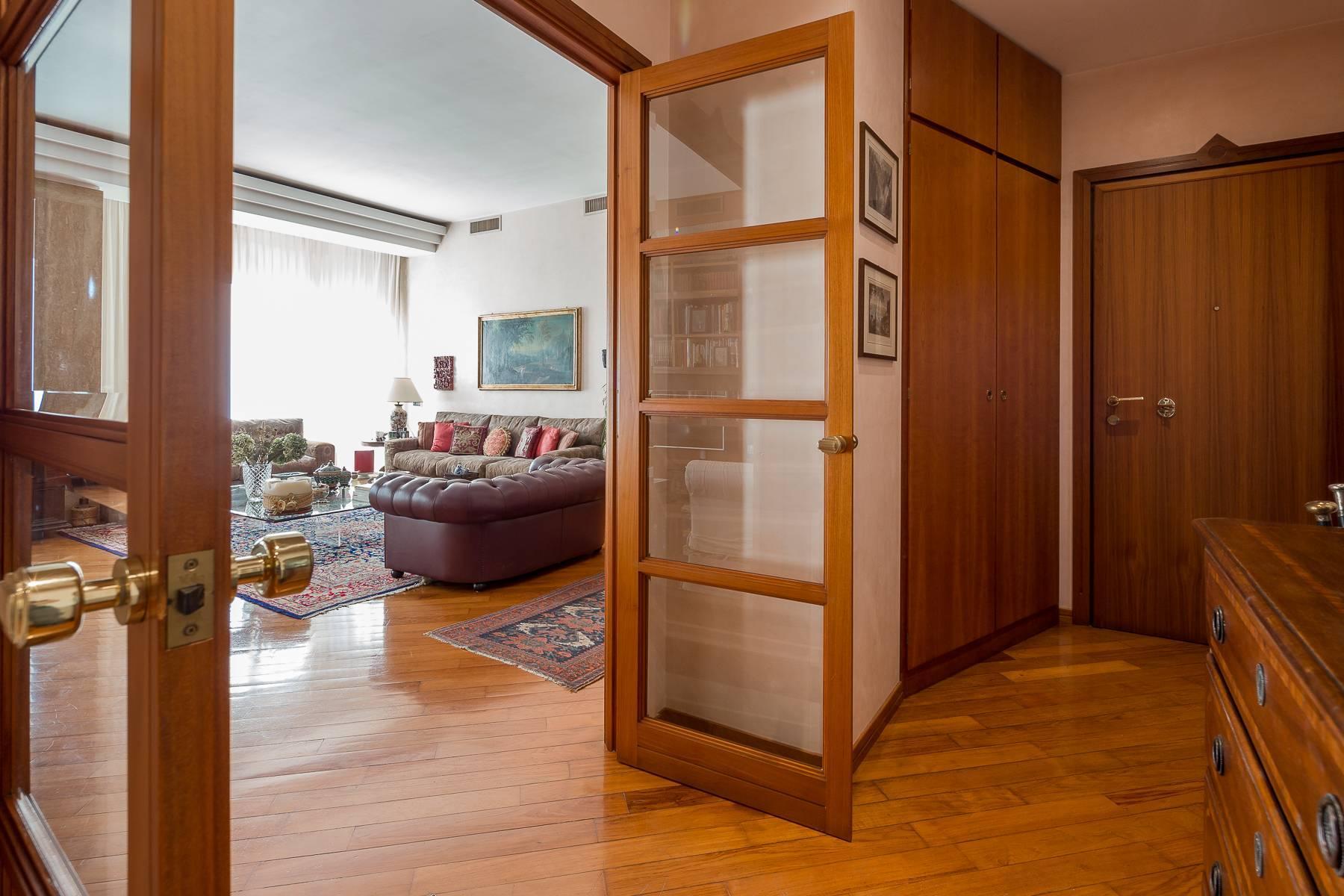 Elegante appartamento arredato in zona Palestro - 16