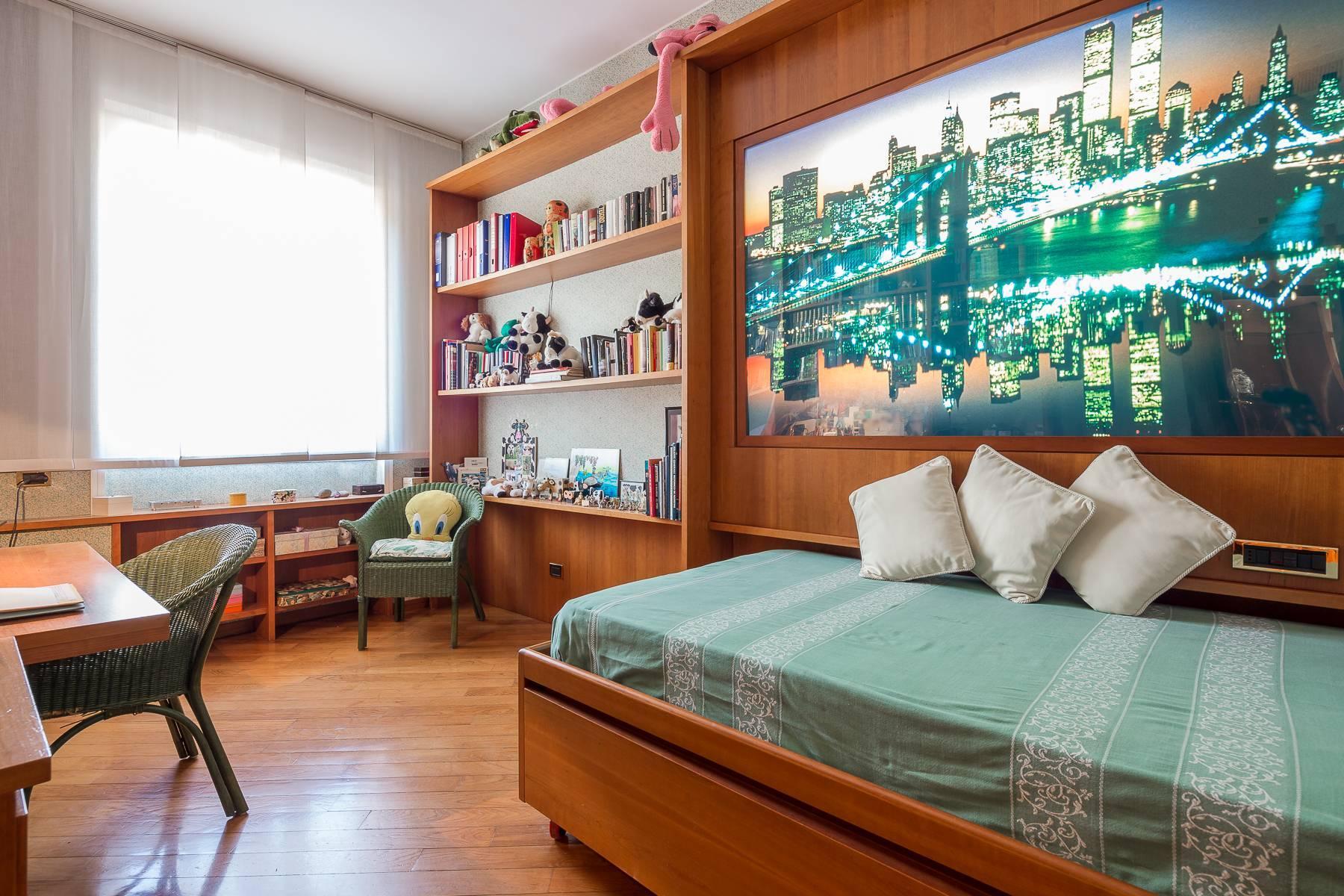 Elegante appartamento arredato in zona Palestro - 12