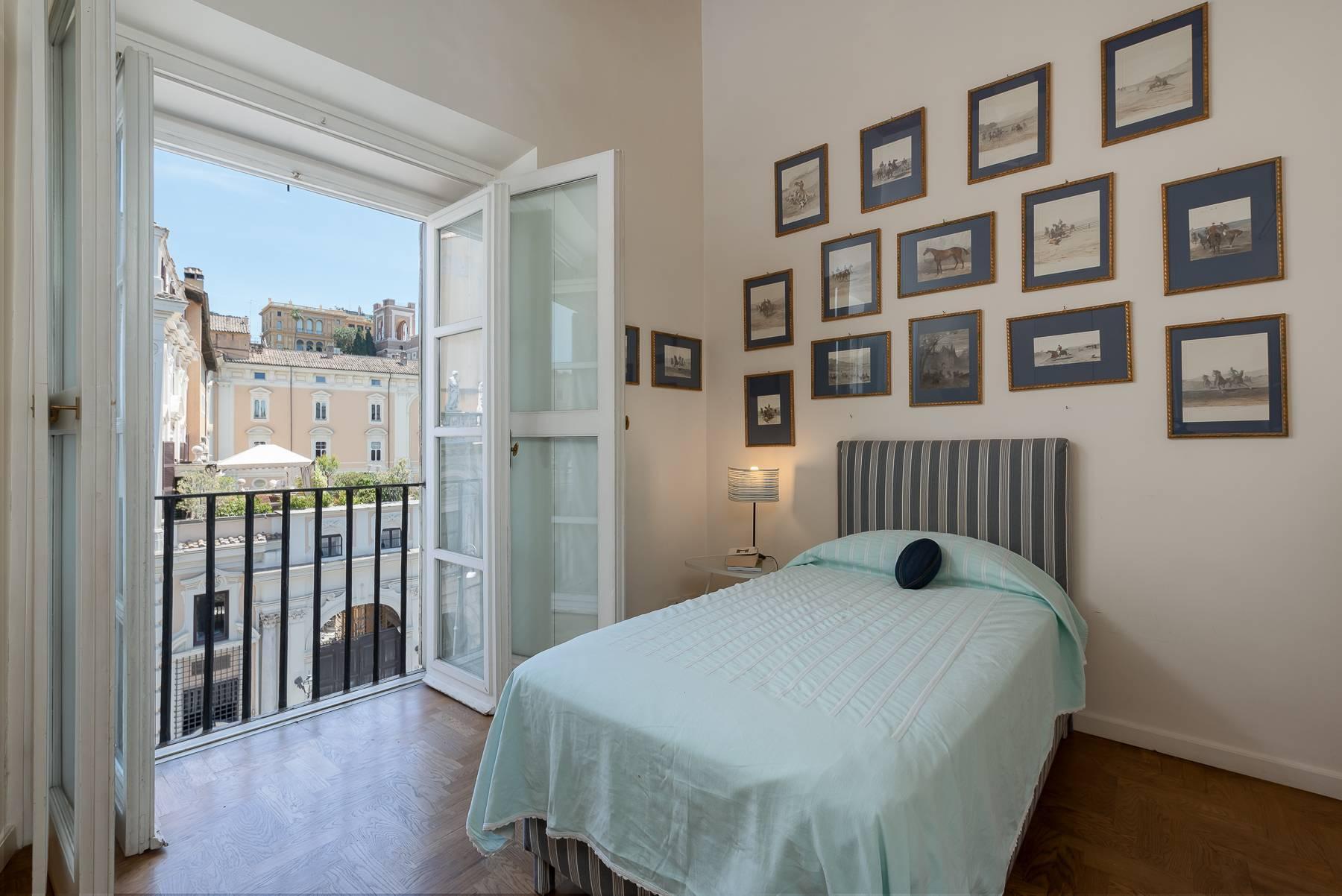Magnifico appartamento pieno di luce all'interno di Palazzo Odescalchi - 9