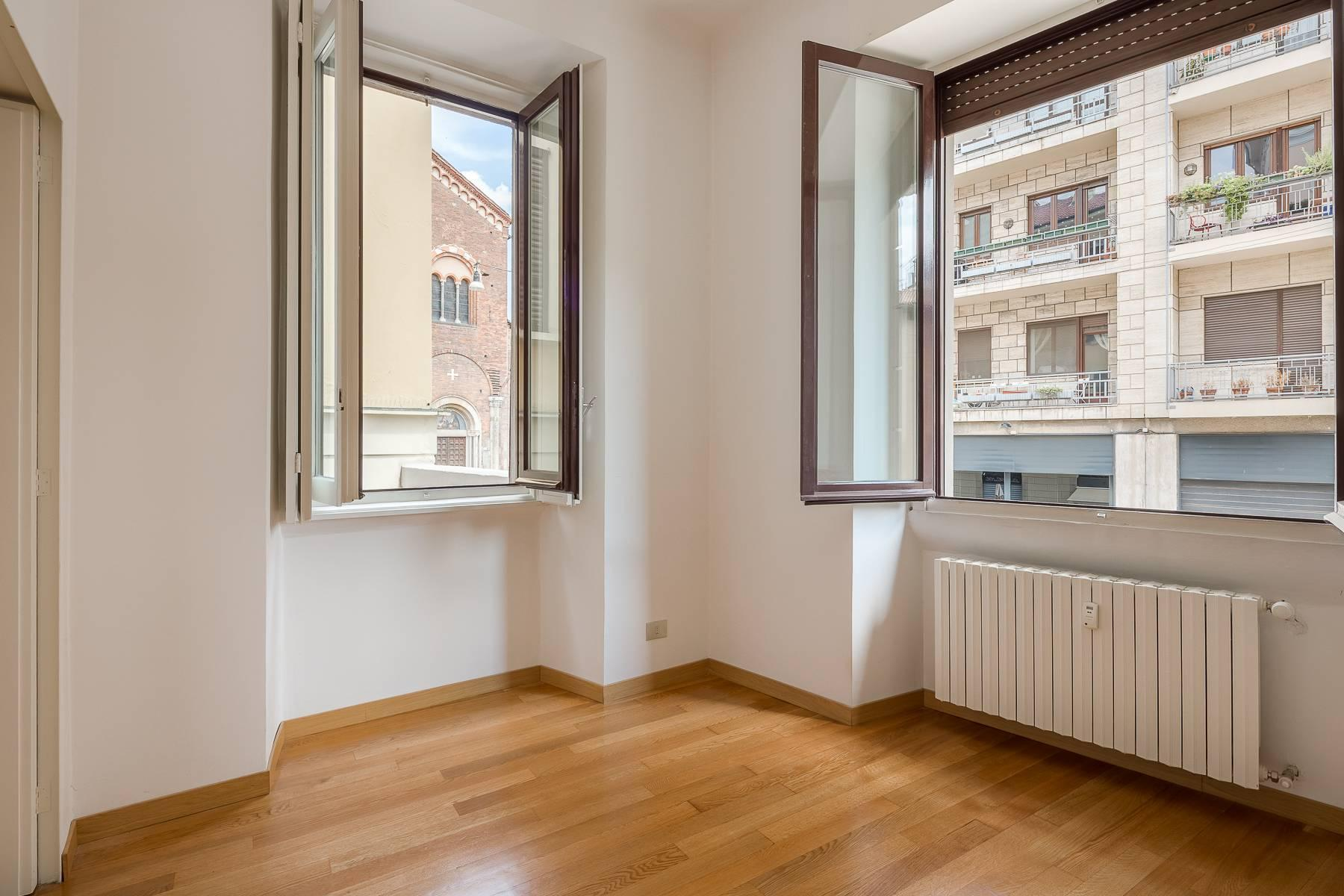 Apartment in an elegant period building located in a prestigious city district - 4