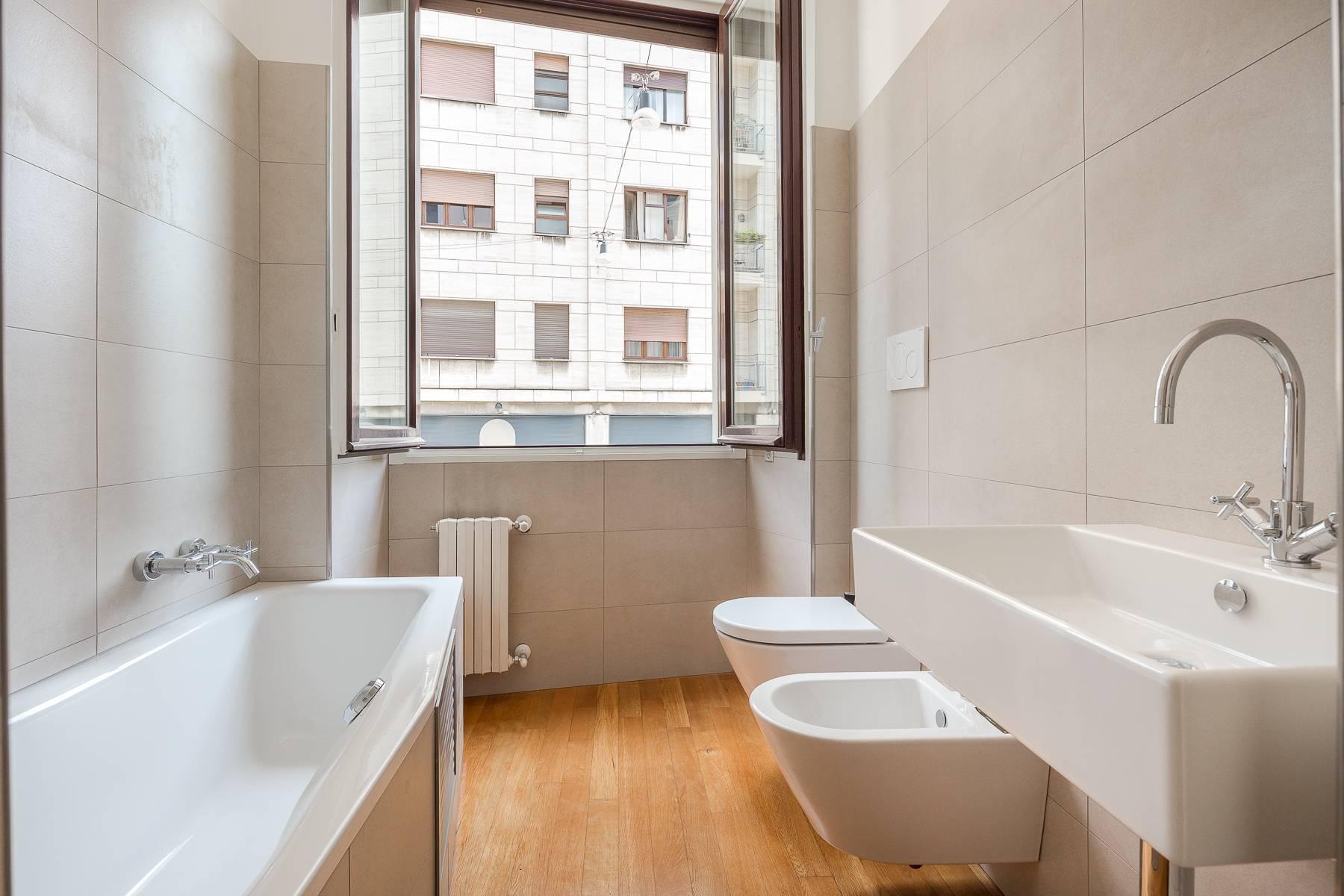 Apartment in an elegant period building located in a prestigious city district - 14
