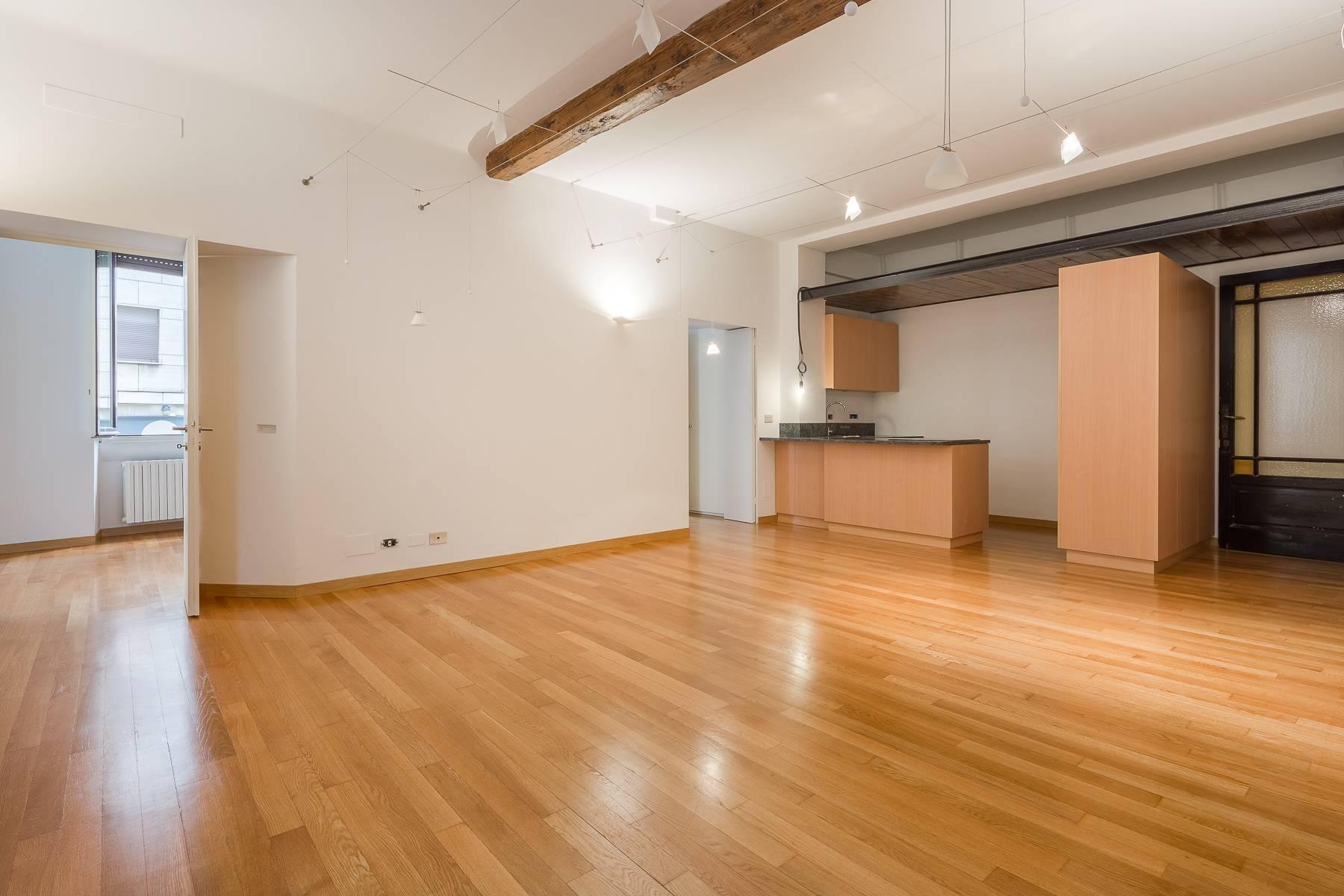 Apartment in an elegant period building located in a prestigious city district - 17