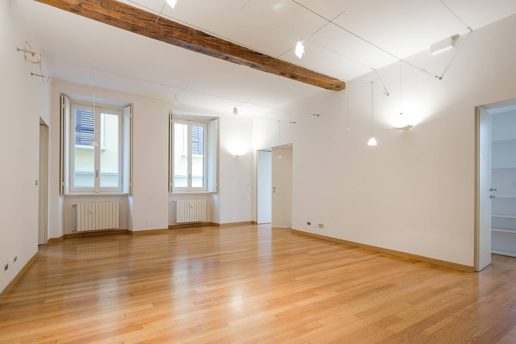 Apartment in an elegant period building located in a prestigious city district - 21