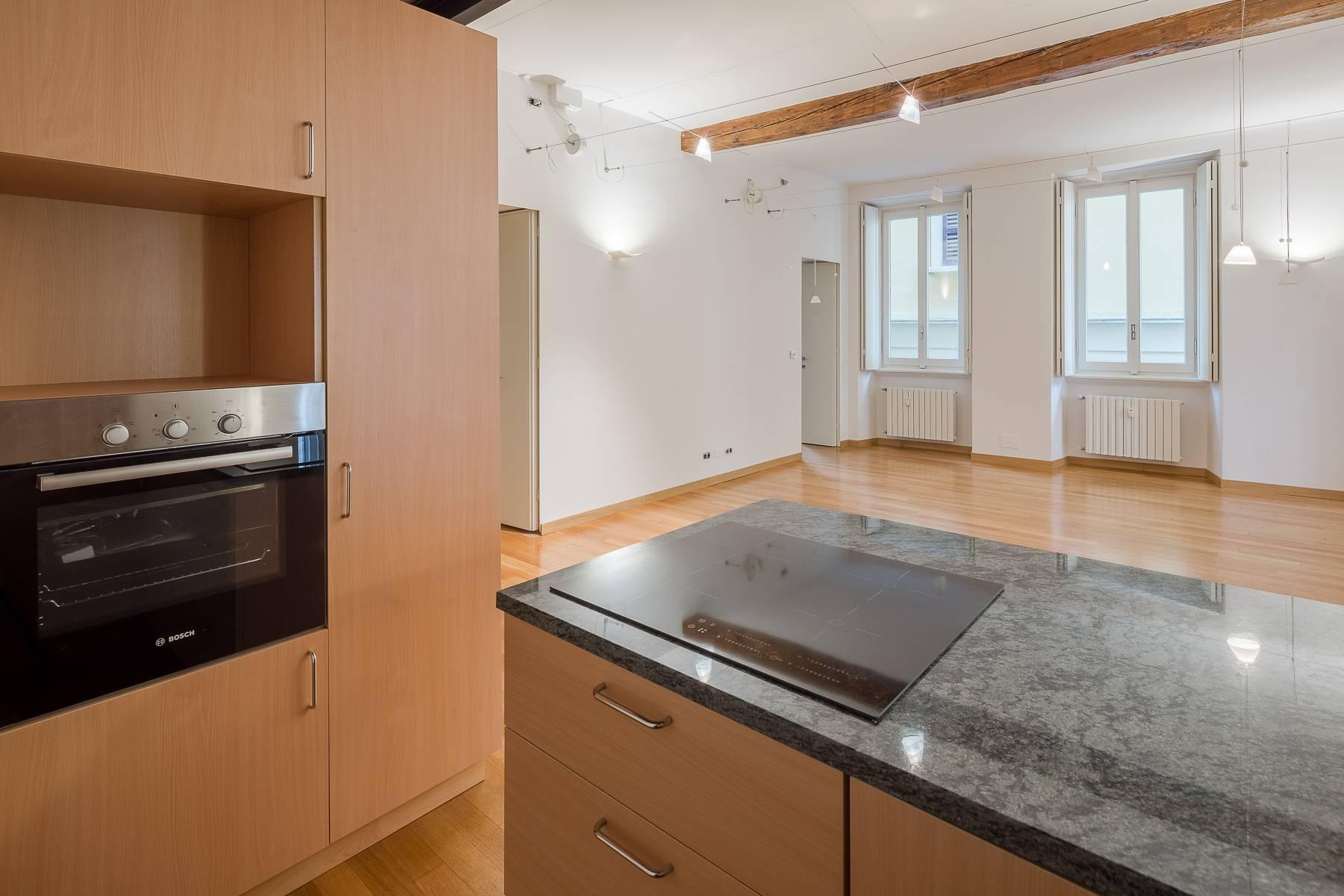 Appartamento in posizione di prestigio in elegante stabile d'epoca - 10