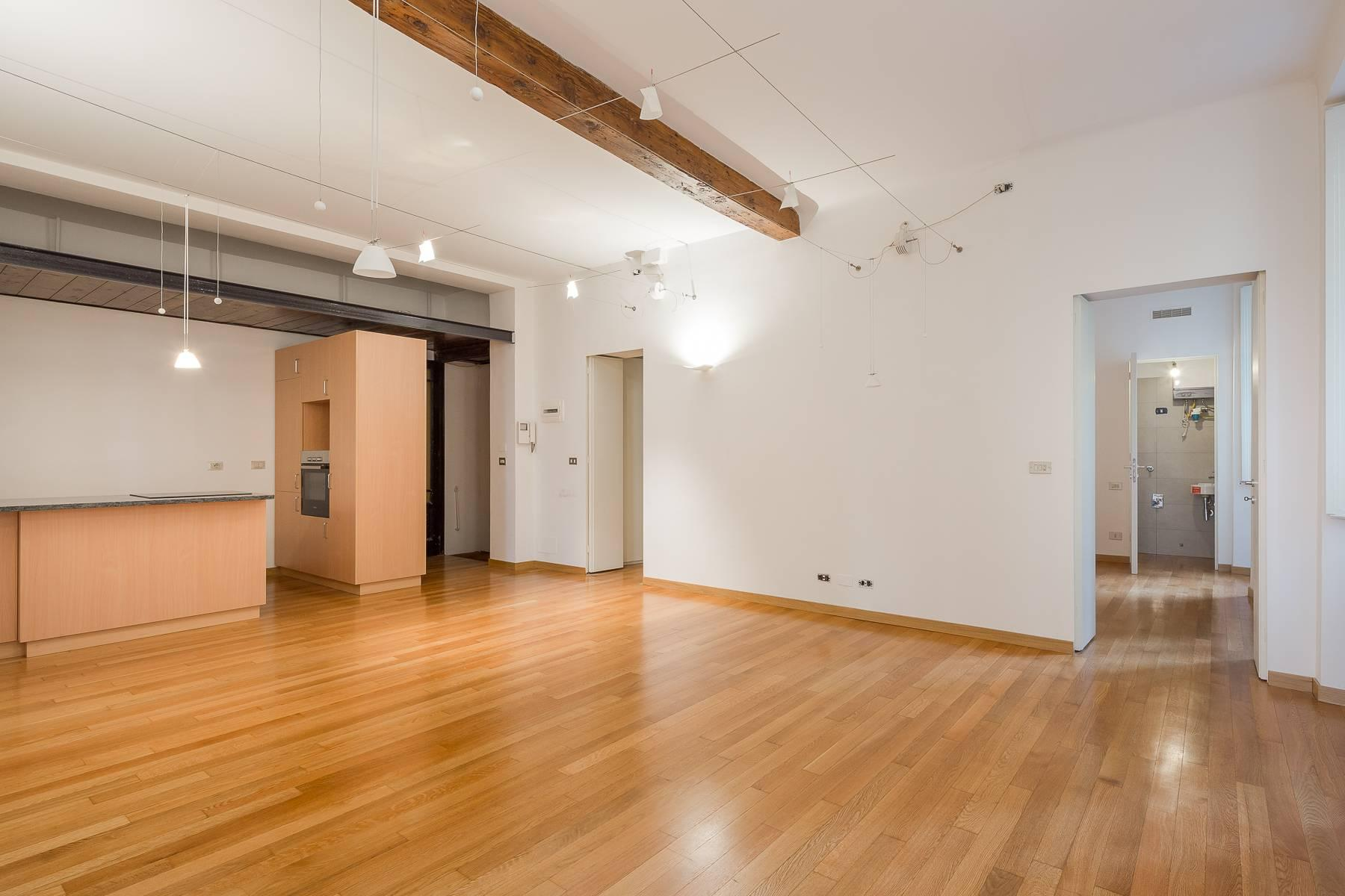 Apartment in an elegant period building located in a prestigious city district - 23