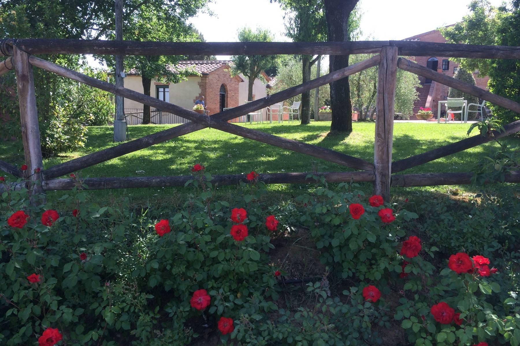 Antico borgo con piscina a Montepulciano - 10