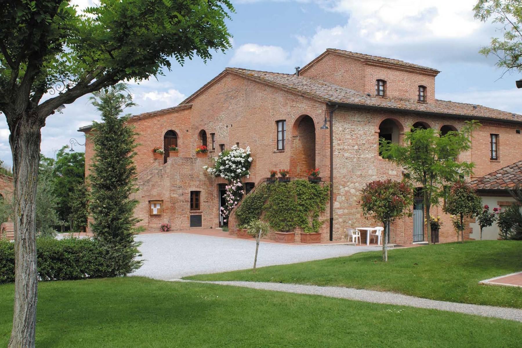 Antico borgo con piscina a Montepulciano - 19
