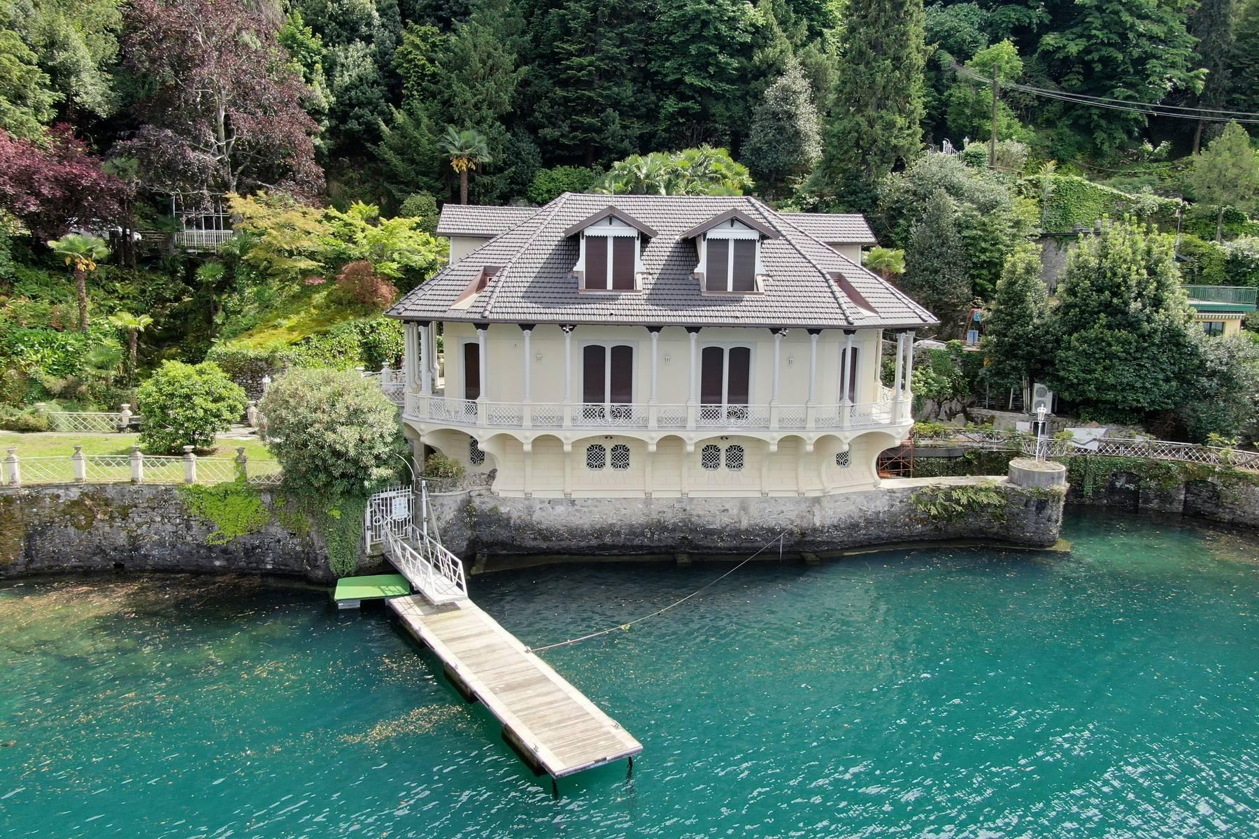 Majestic Art Nouveau-style villa - 4