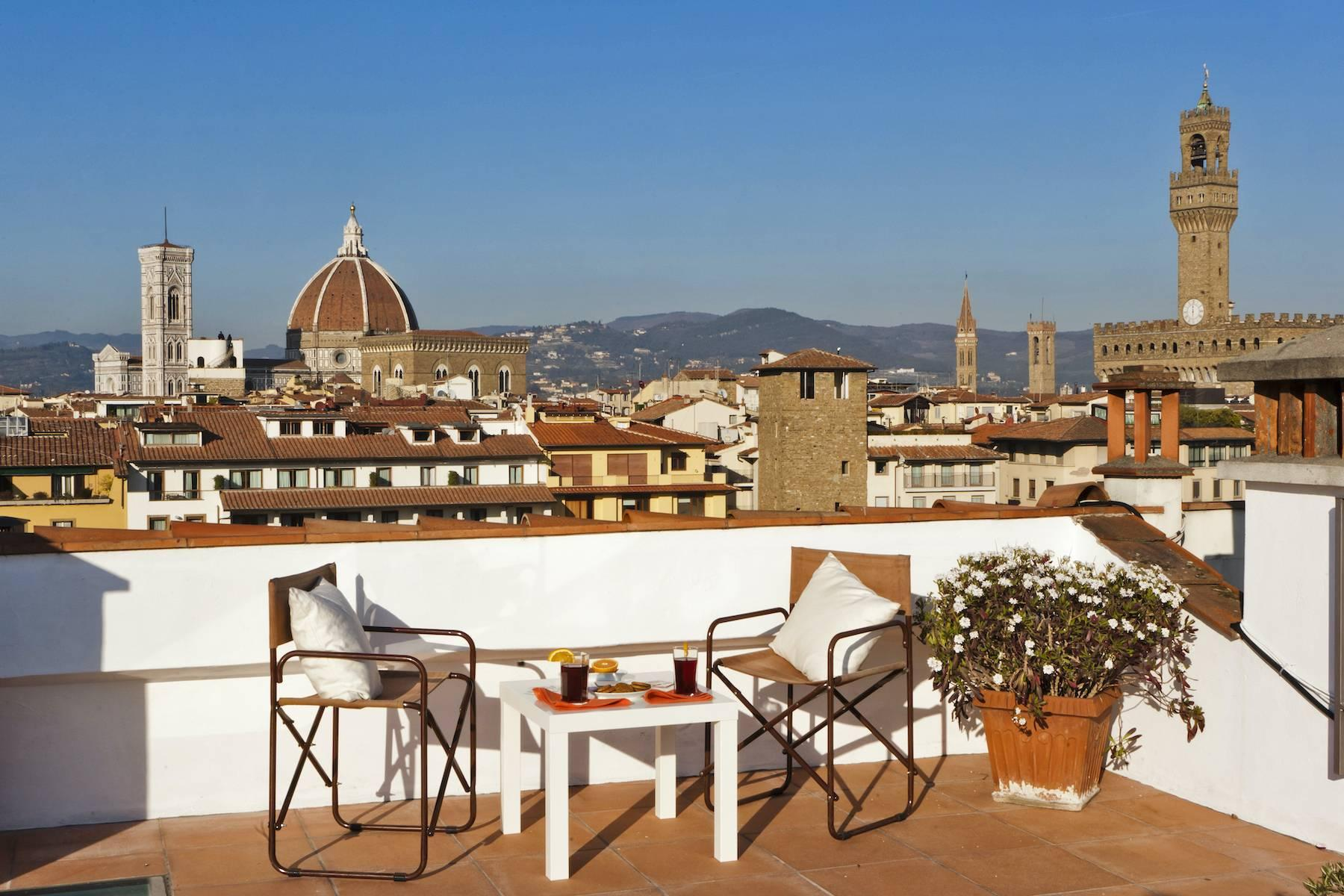 Stunning terrace penthouse on Ponte Vecchio - 1