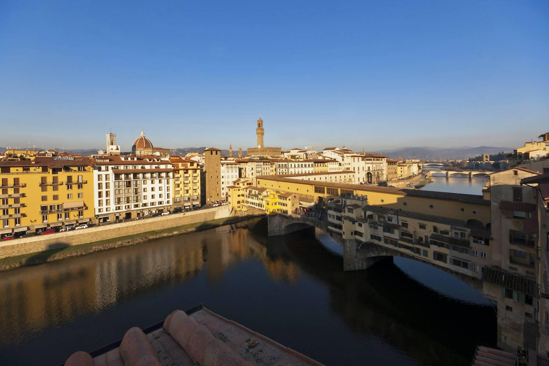 Stunning terrace penthouse on Ponte Vecchio - 4