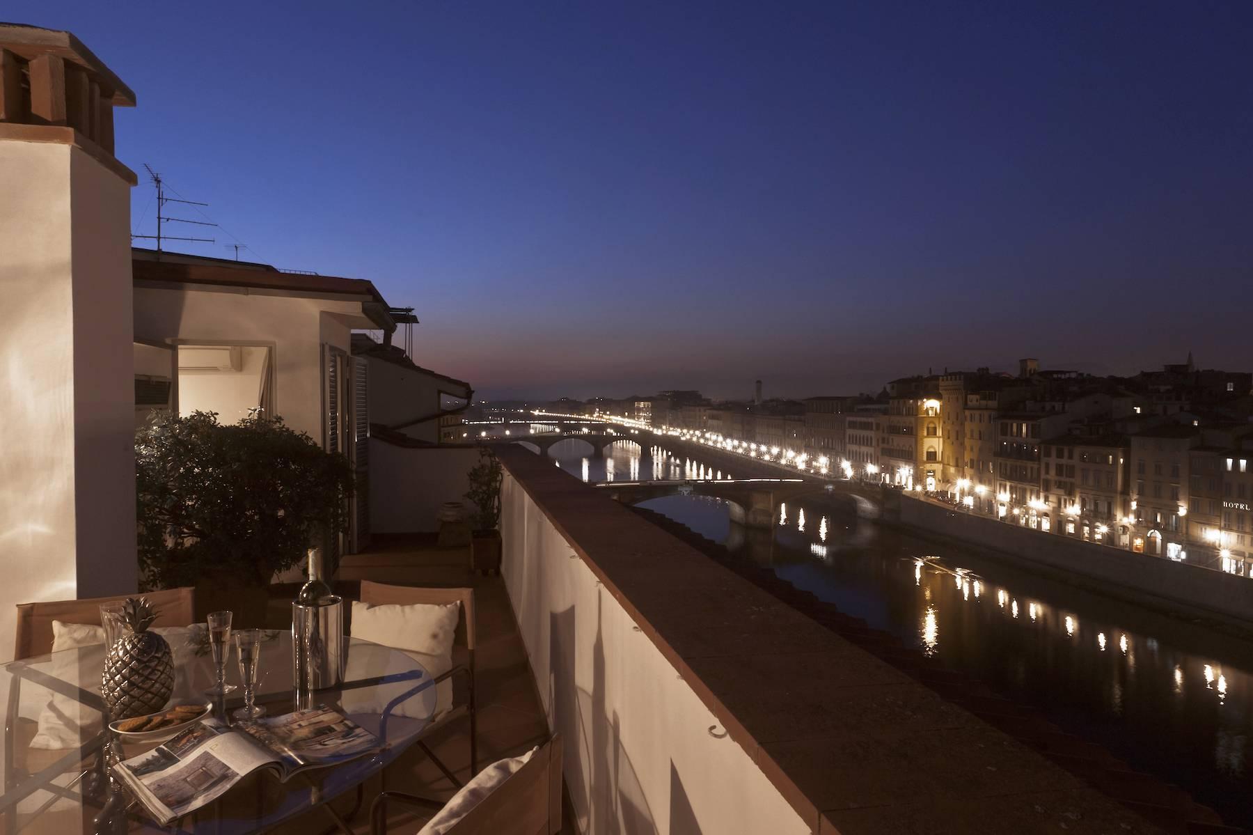 Stunning terrace penthouse on Ponte Vecchio - 10