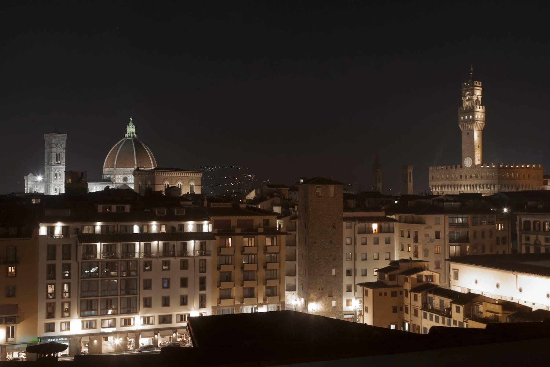 Stunning terrace penthouse on Ponte Vecchio - 11