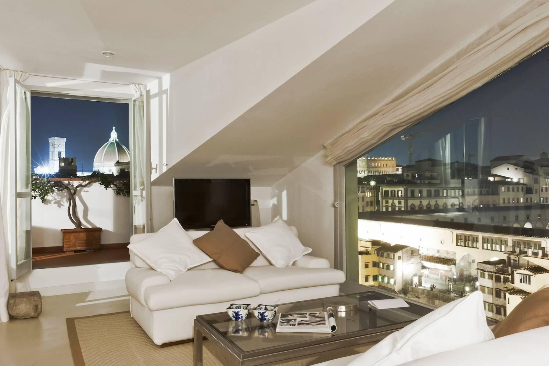 Stunning terrace penthouse on Ponte Vecchio - 3