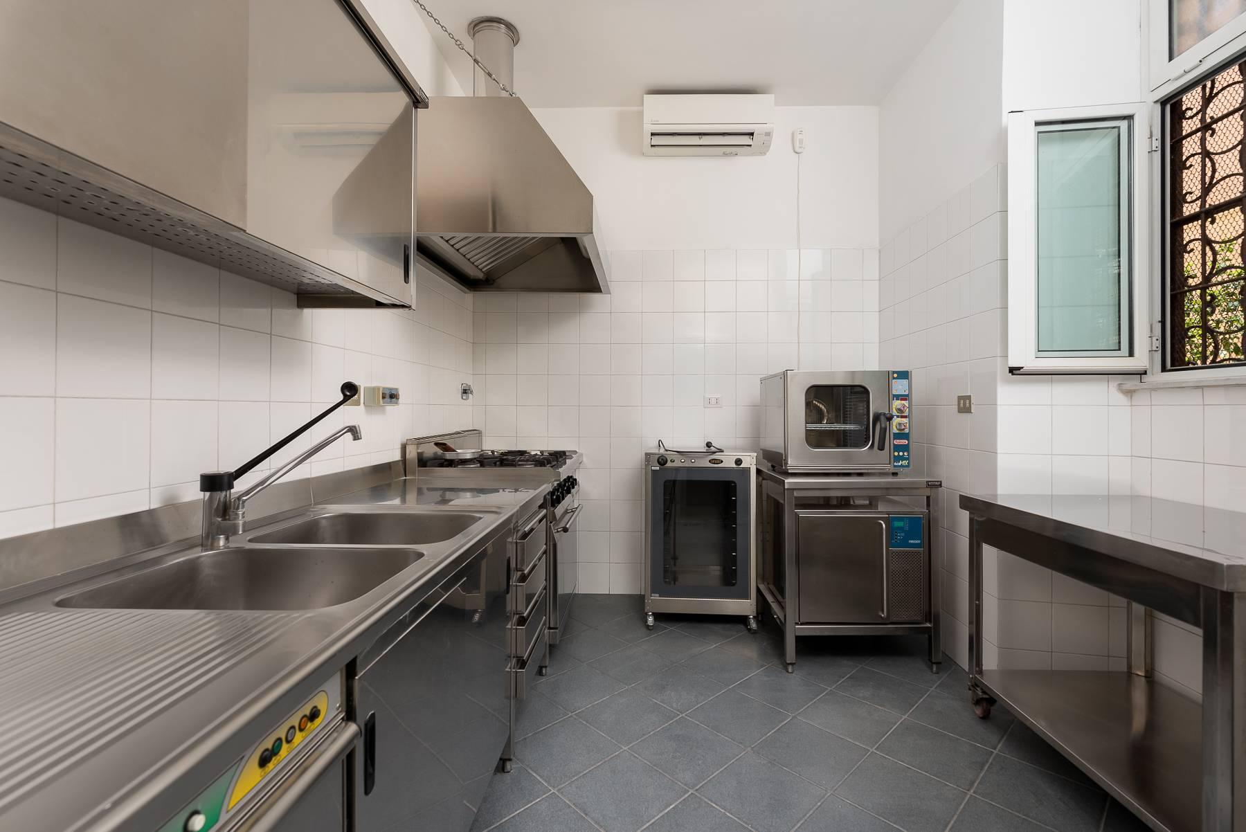 Elégant et spacieux appartement avec terrasse, jardin et garage. - 13