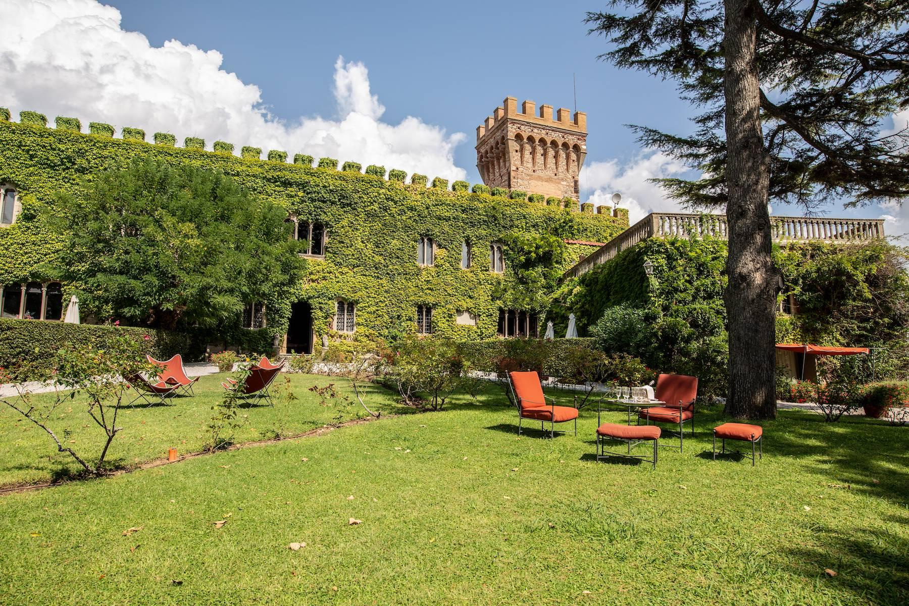 Breathtaking 16th century castle by the sea - 1