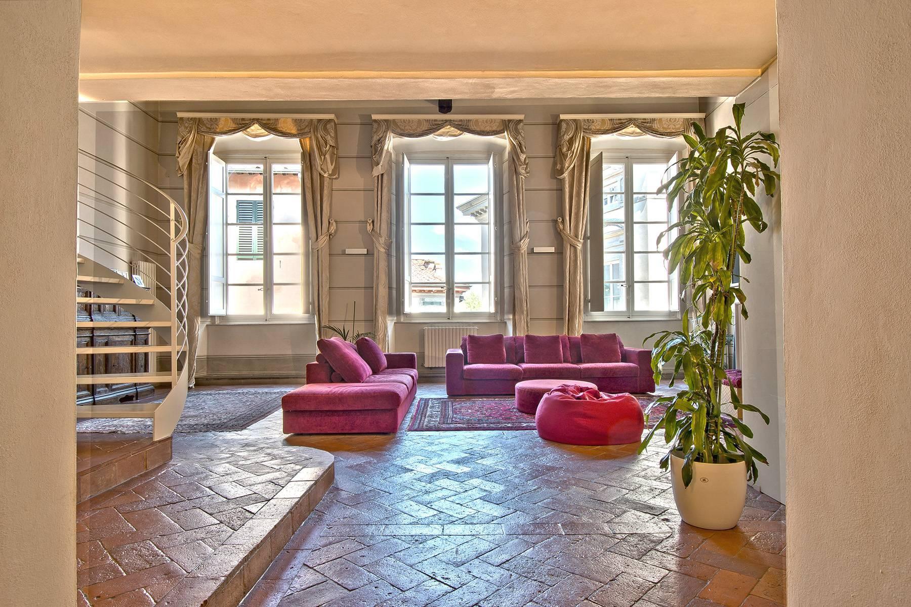 Luxury Apartment in prestigious building in Lucca historic centre - 2