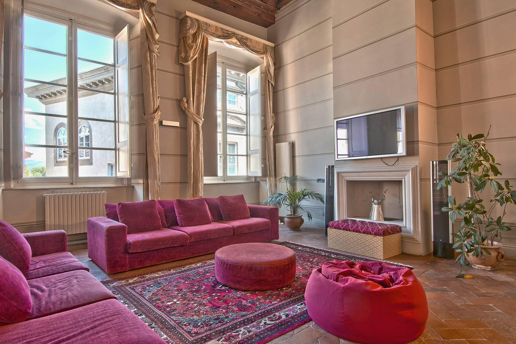 Luxury Apartment in prestigious building in Lucca historic centre - 1