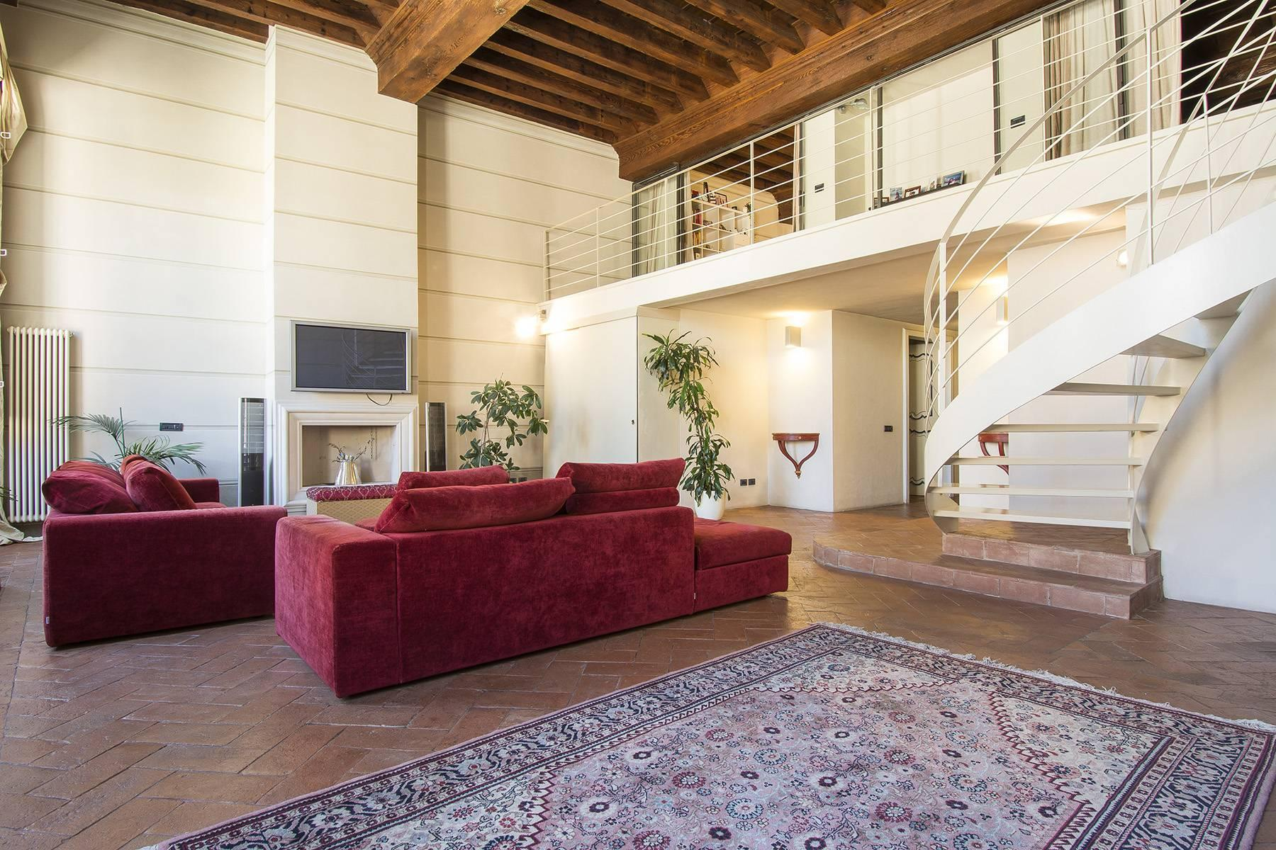 Luxury Apartment in prestigious building in Lucca historic centre - 4