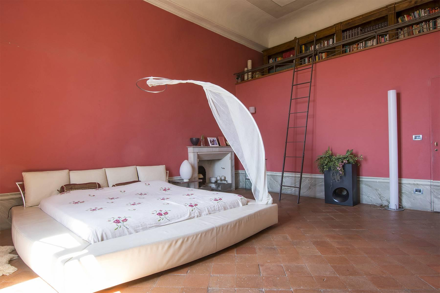 Luxury Apartment in prestigious building in Lucca historic centre - 12