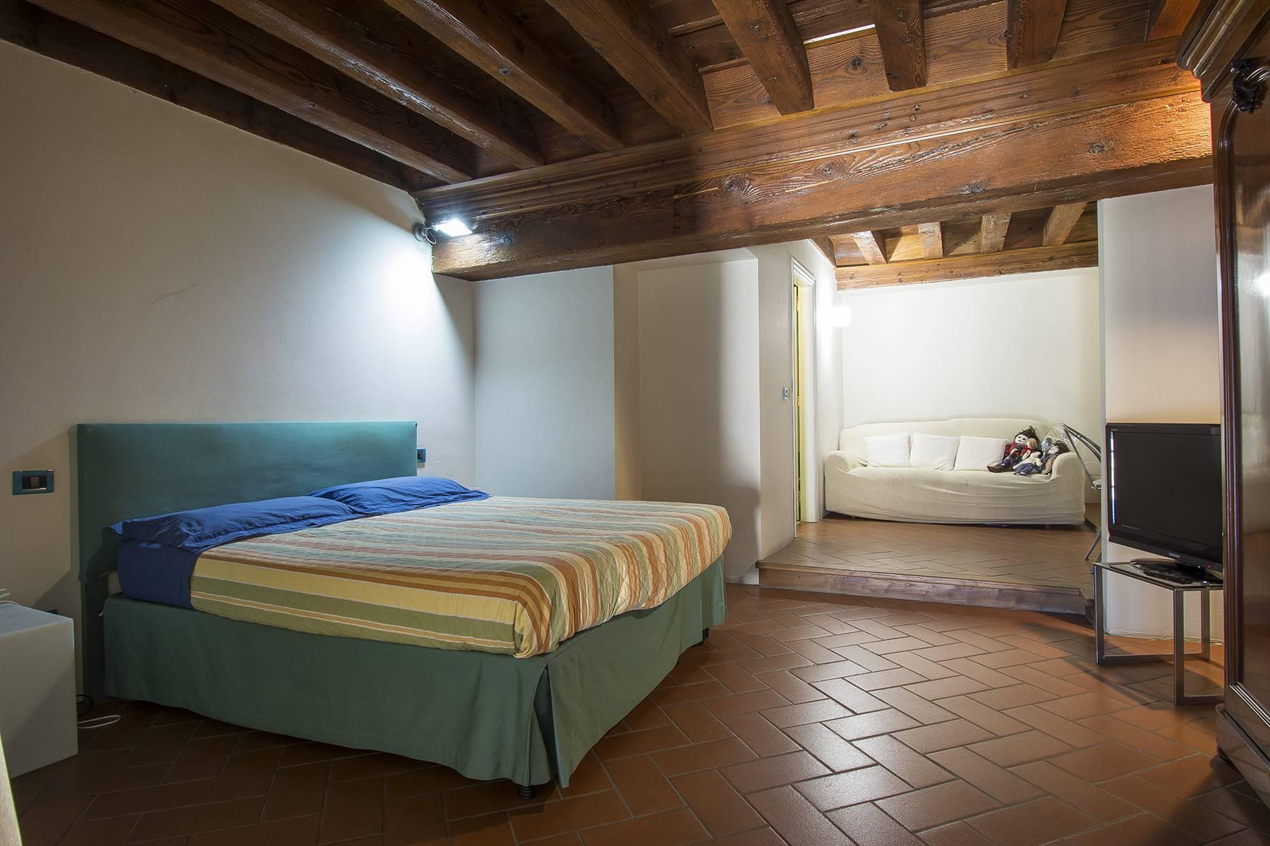 Luxury Apartment in prestigious building in Lucca historic centre - 9