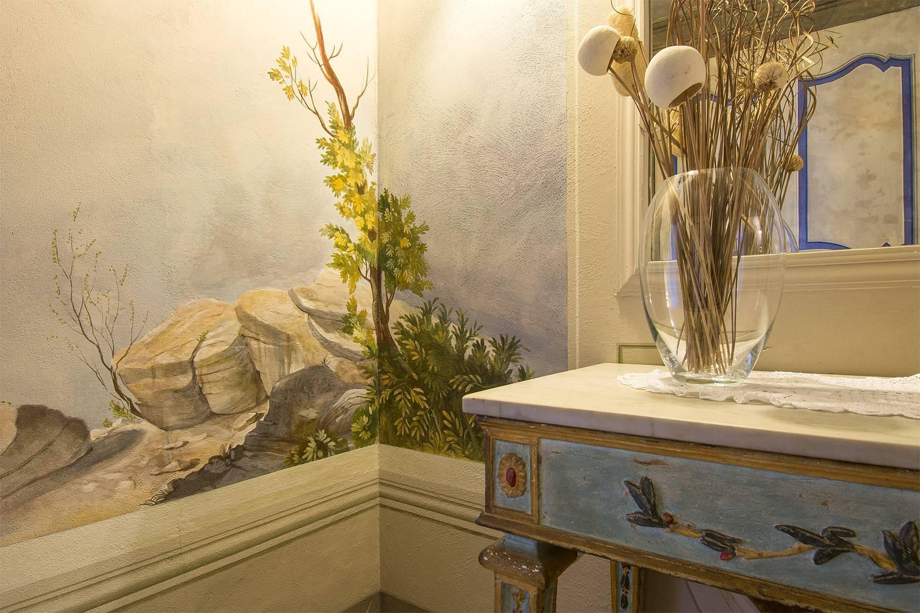Luxury Apartment in prestigious building in Lucca historic centre - 8