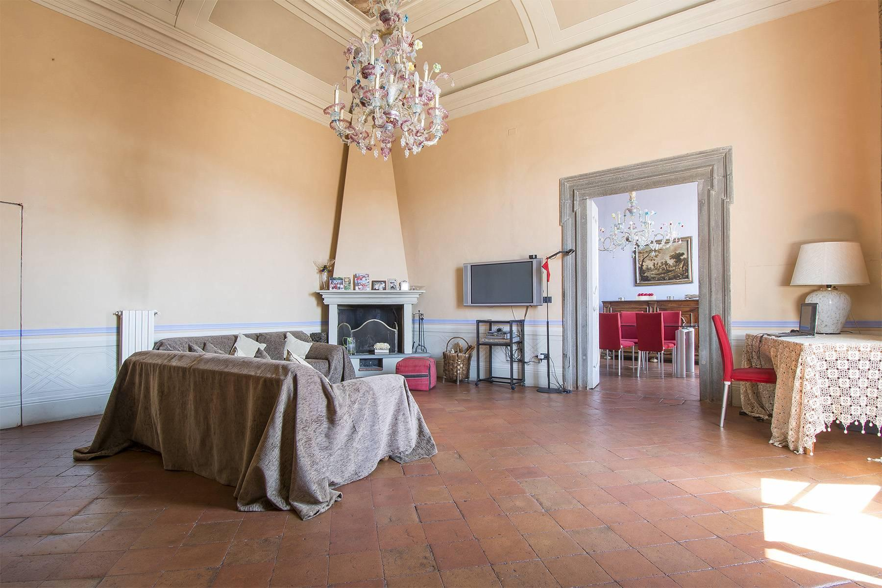 Luxury Apartment in prestigious building in Lucca historic centre - 18