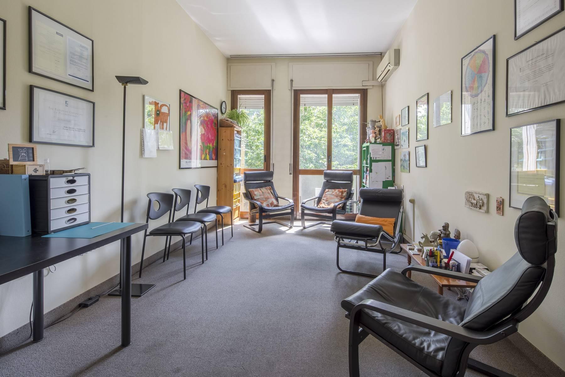 Luminoso appartamento in posizione strategica - 2