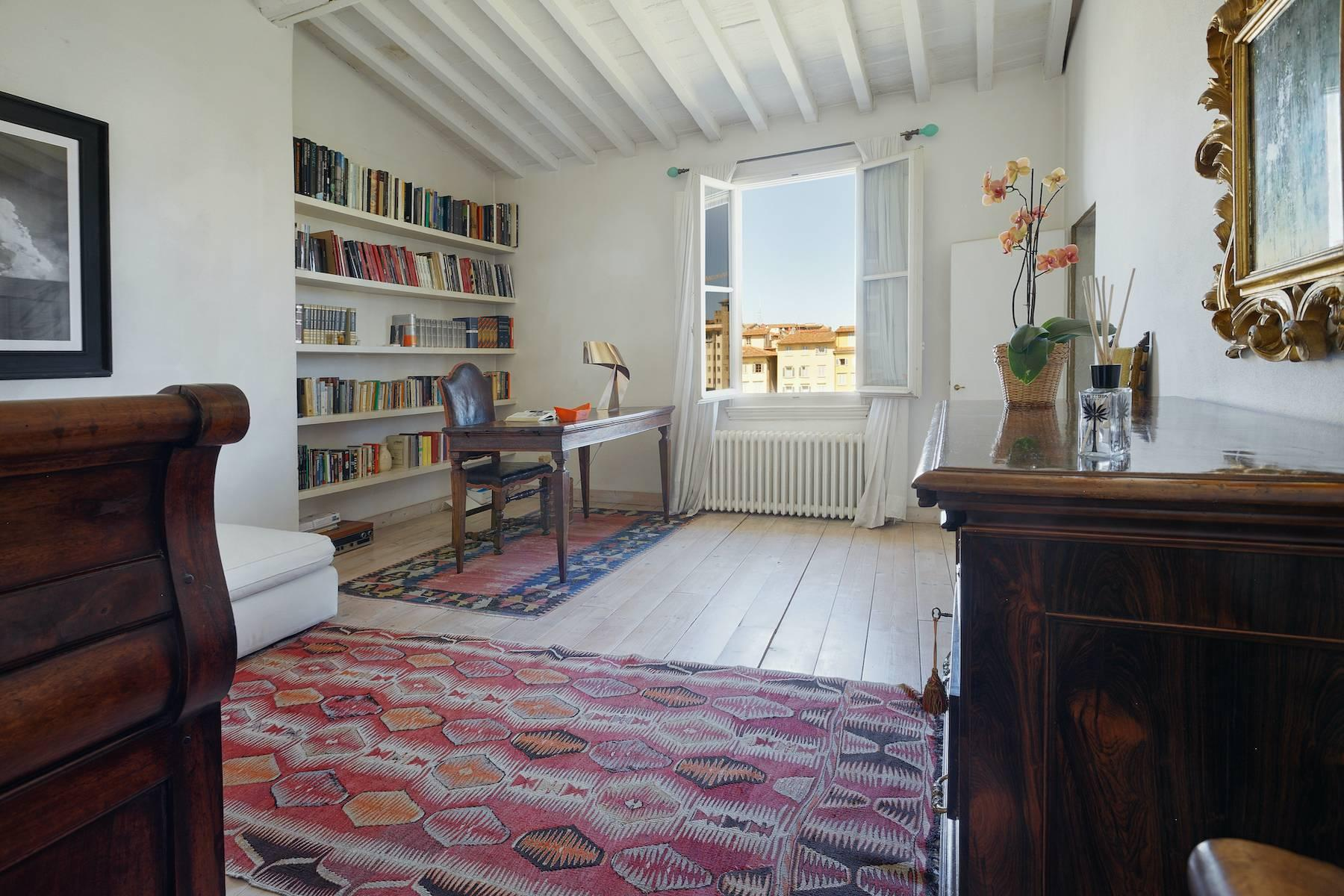 Charming apartment overlooking Ponte Vecchio - 5