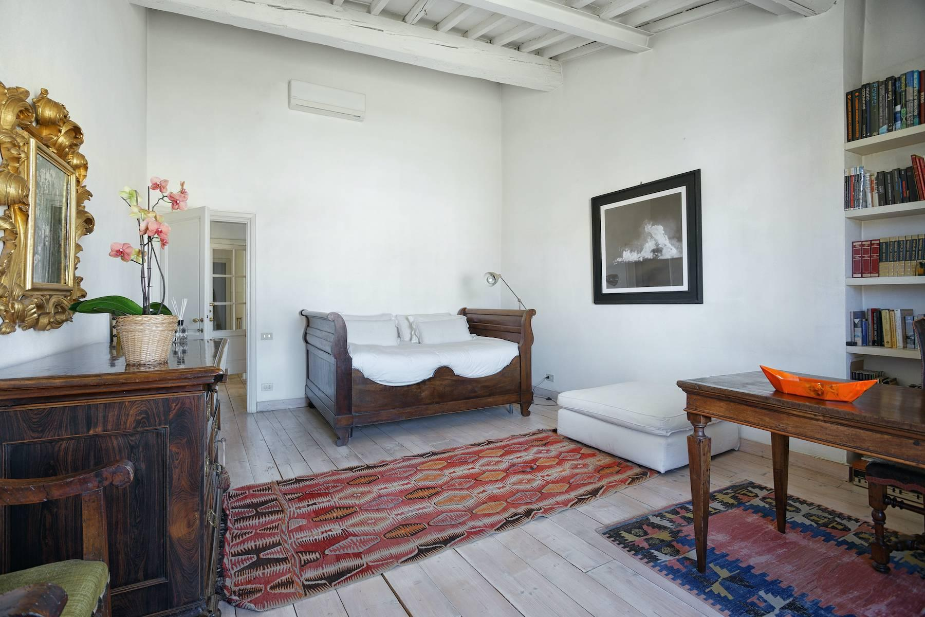 Charming apartment overlooking Ponte Vecchio - 6