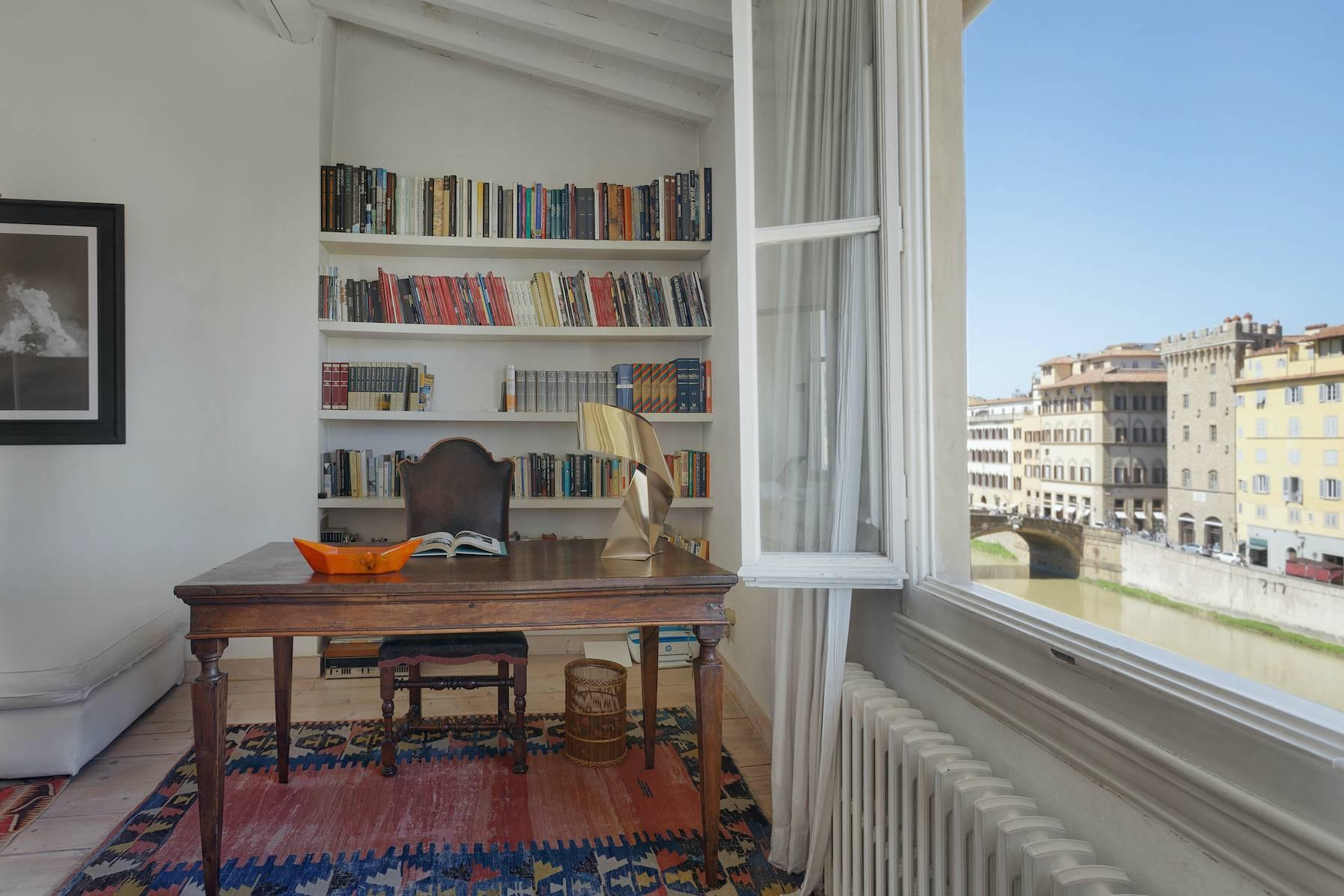 Charming apartment overlooking Ponte Vecchio - 7