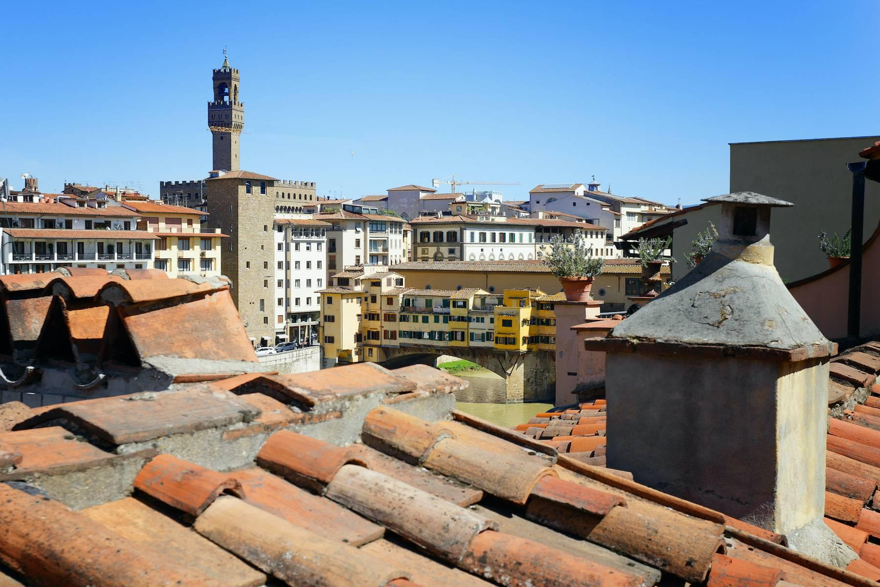 Charming apartment overlooking Ponte Vecchio - 11