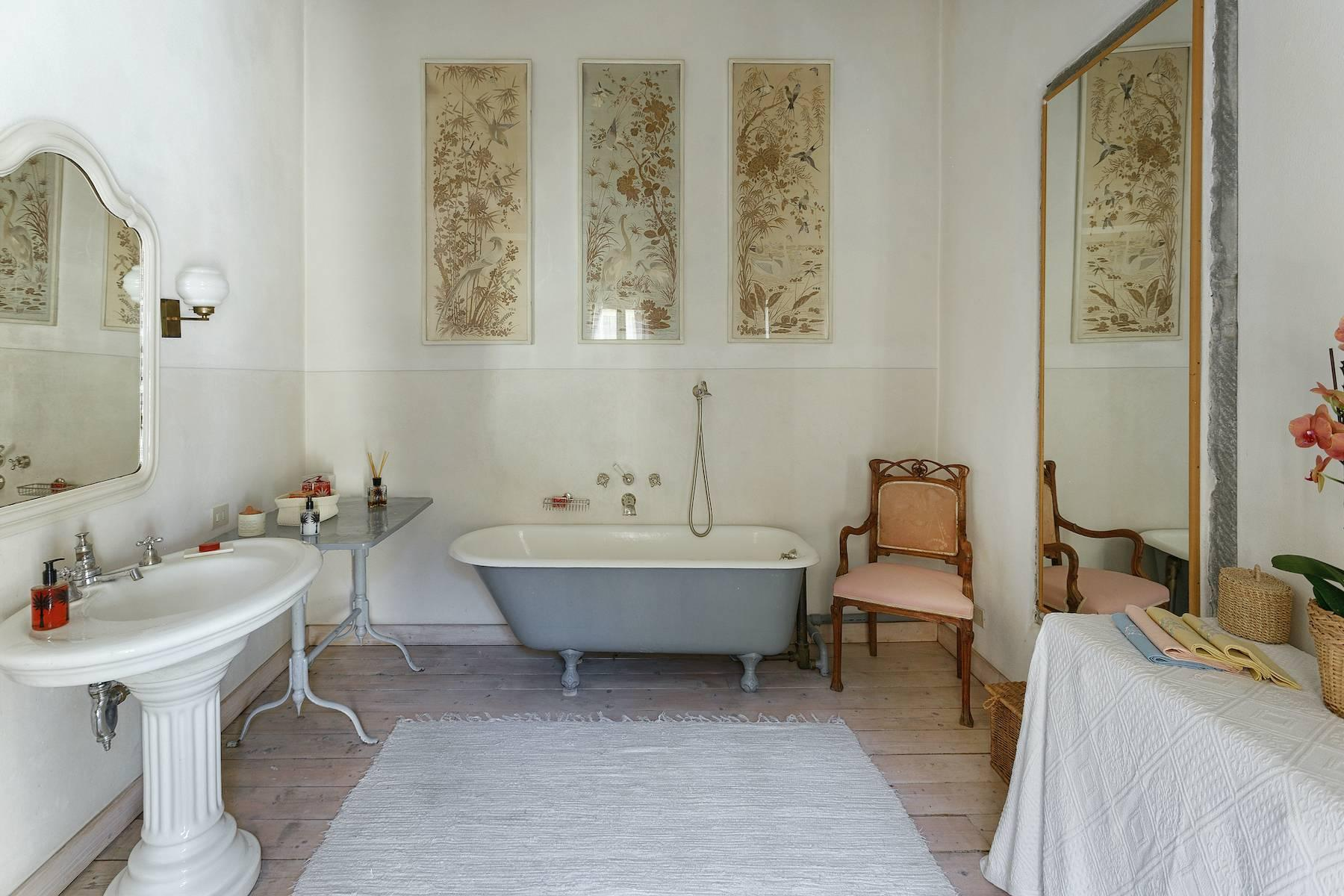 Charming apartment overlooking Ponte Vecchio - 13