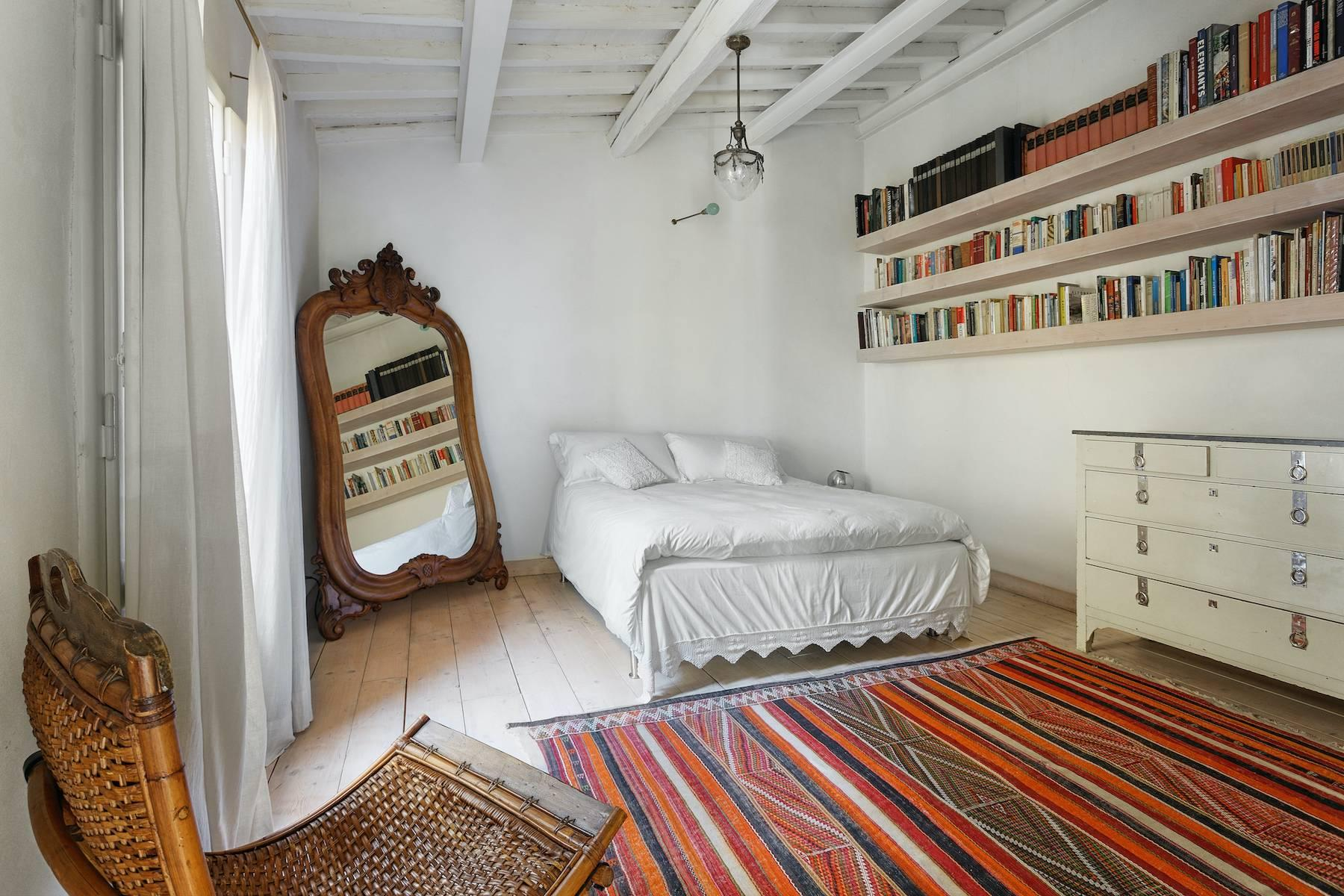 Charming apartment overlooking Ponte Vecchio - 10