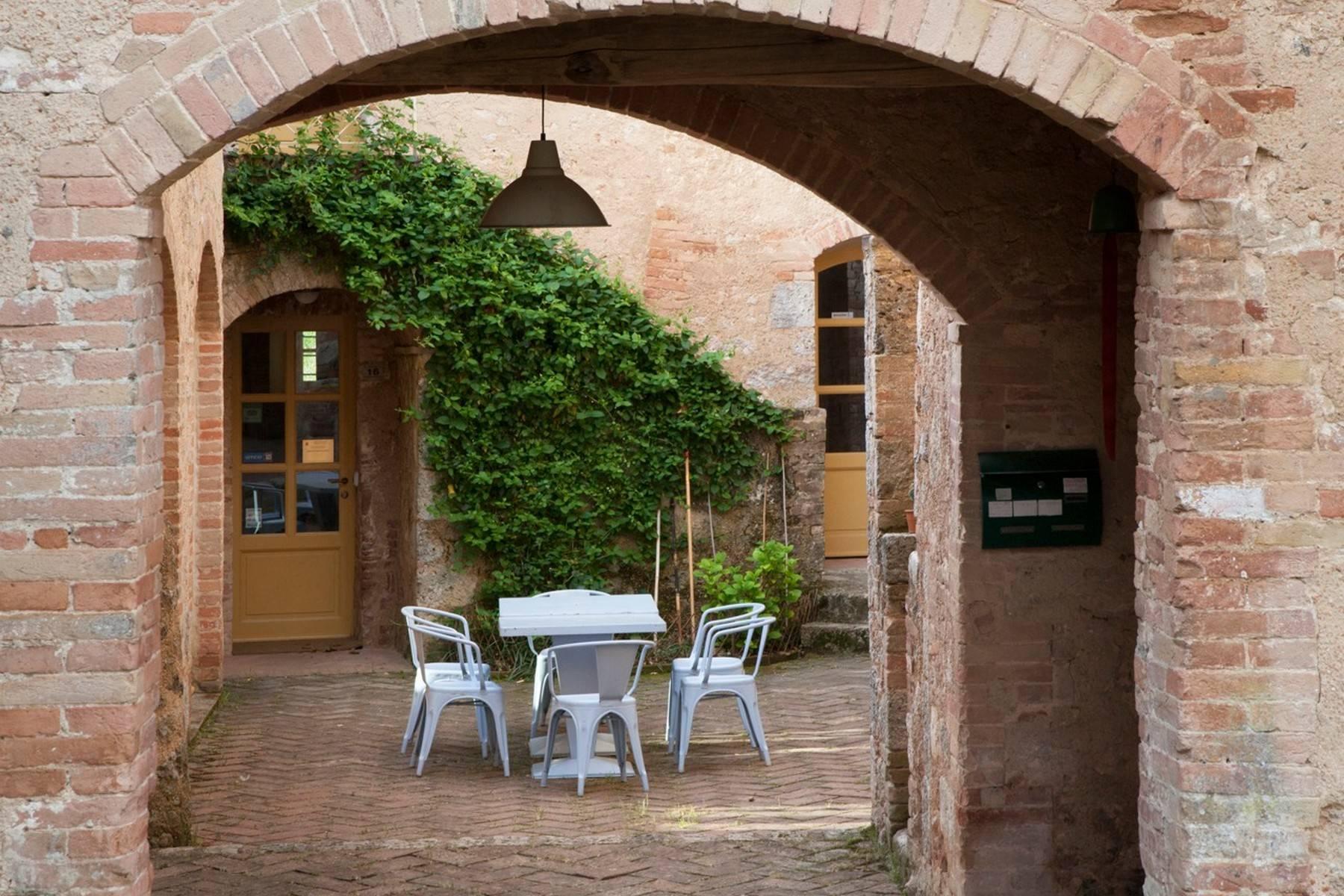 Incredibile Borgo Ristrutturato sulle Colline di Siena - 5